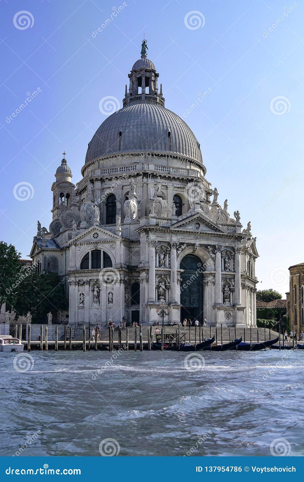 Χαιρετισμός della της Σάντα Μαρία από το μεγάλο κανάλι