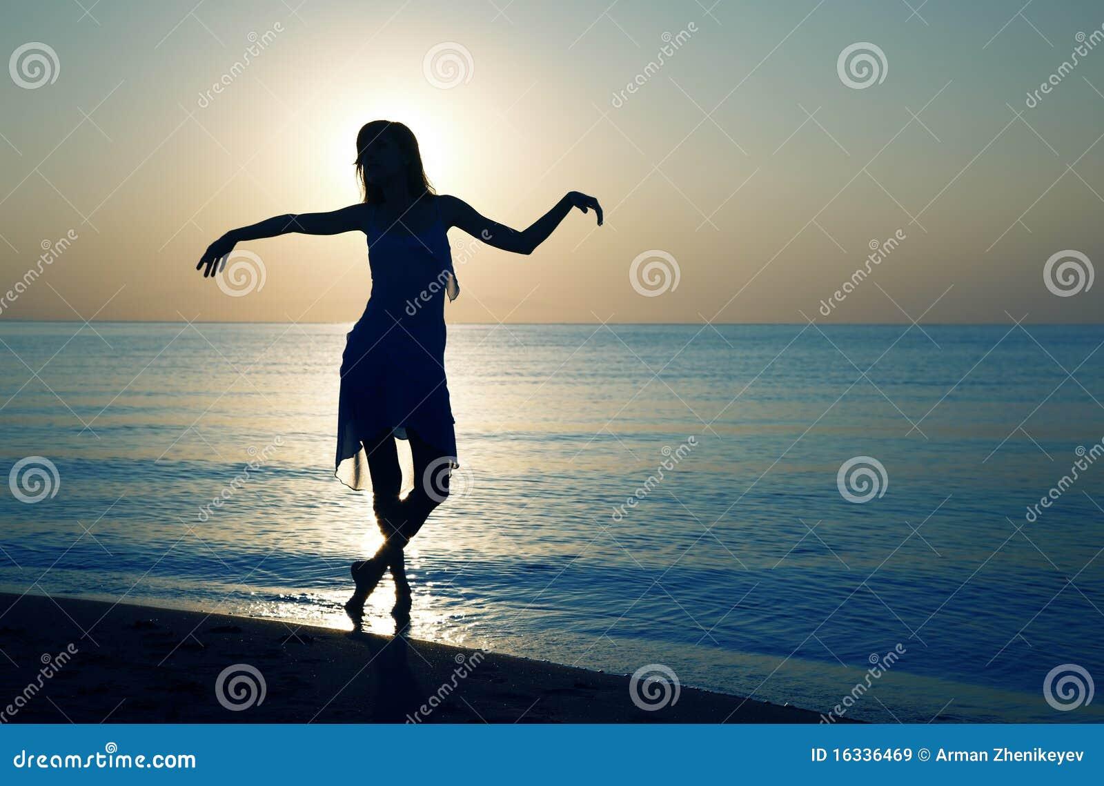 χαλαρώνοντας ηλιοβασίλ&e
