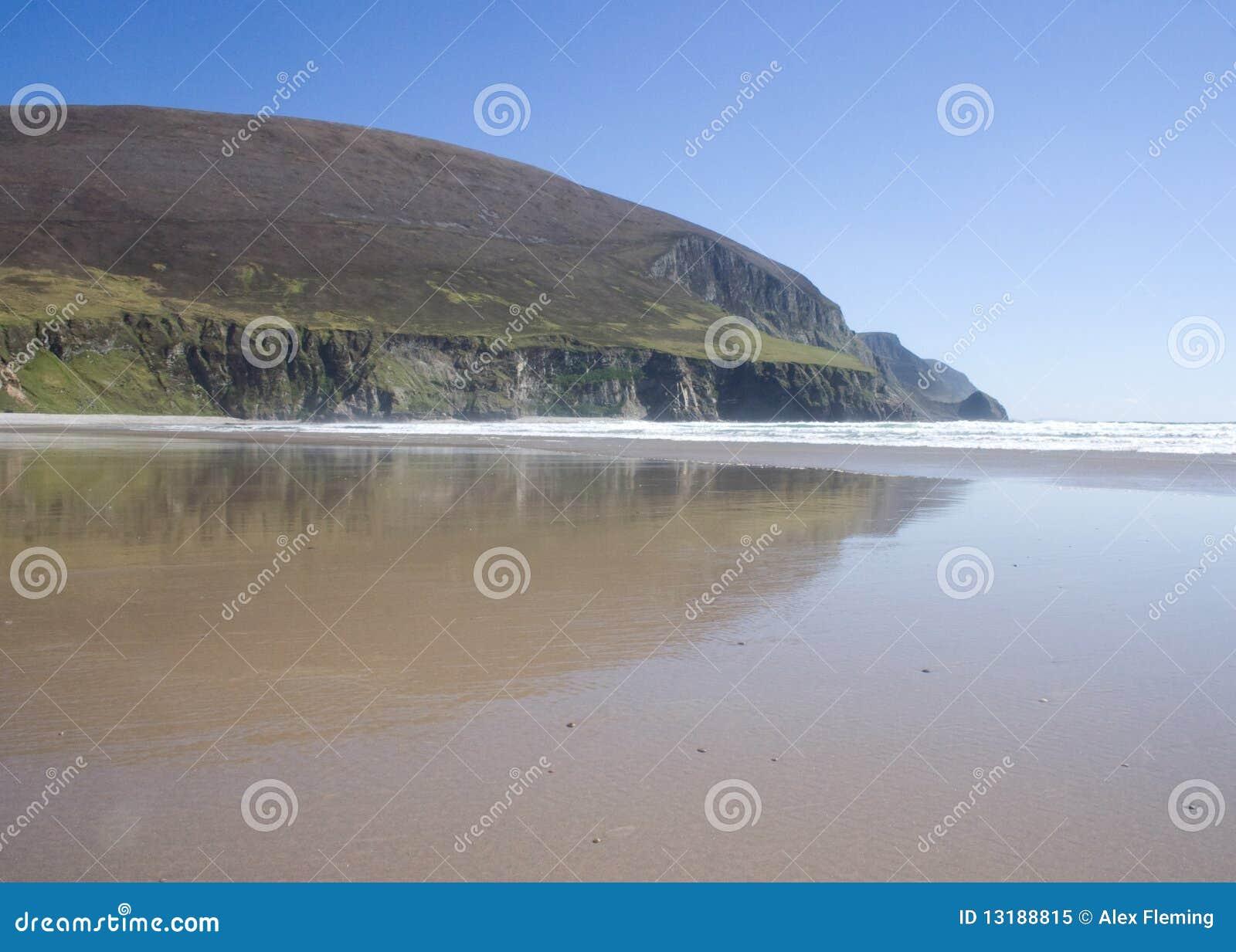 Χαμηλή παλίρροια στην παραλία