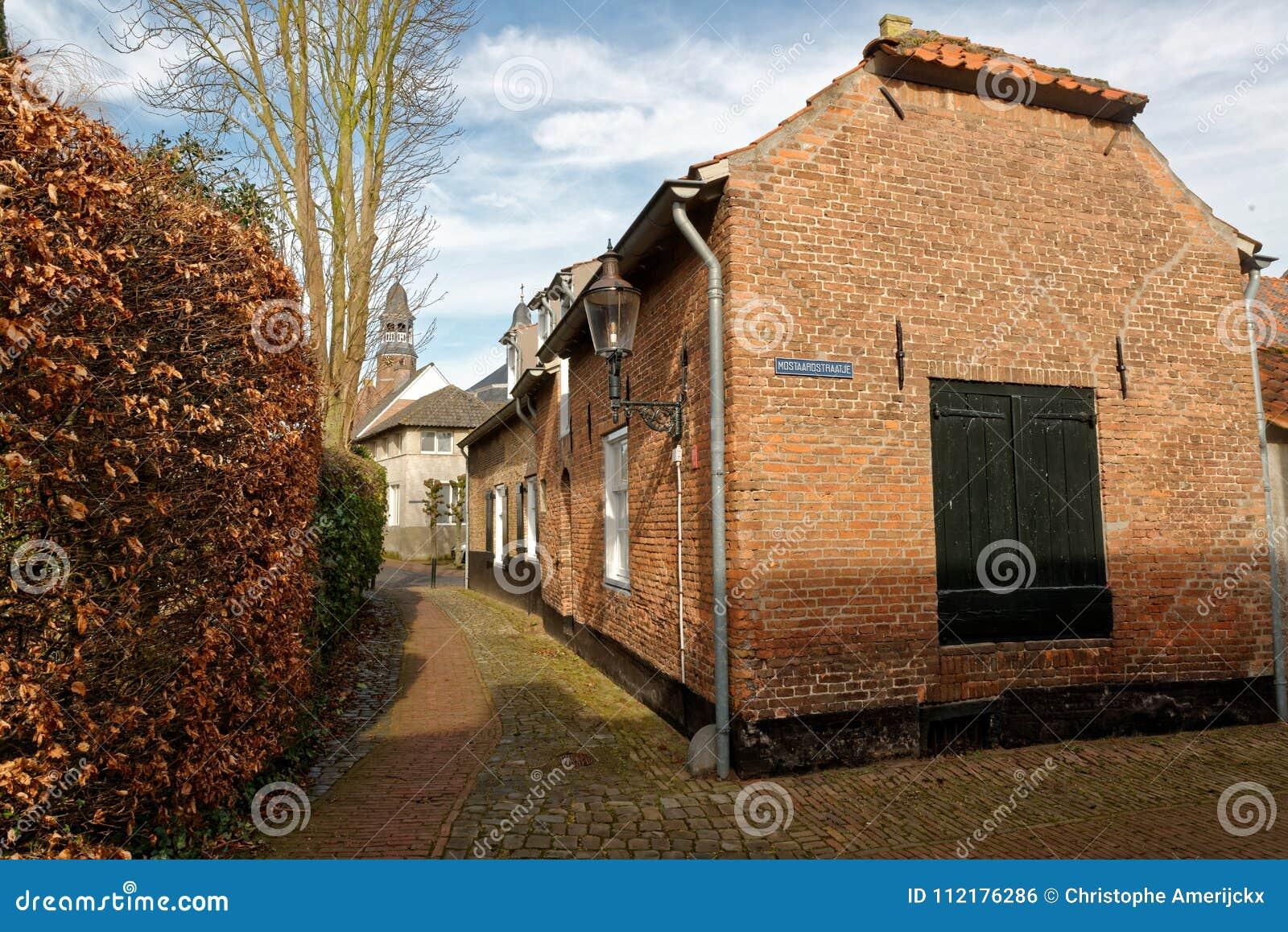 Χαρακτηριστική οδός σε Ravenstein, οι Κάτω Χώρες