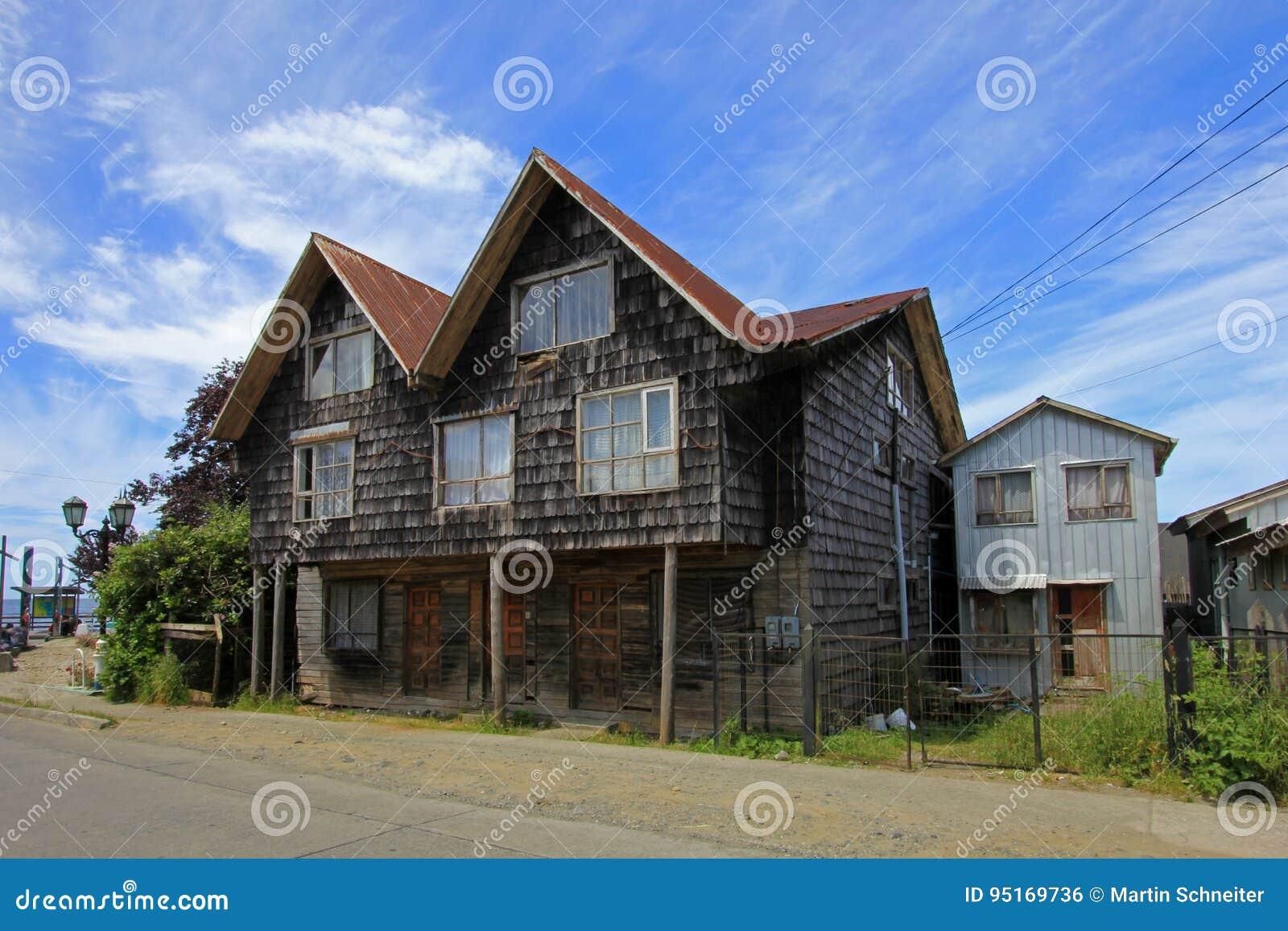 Χαρακτηριστικό ξύλινο σπίτι στο νησί Chiloe, Χιλή