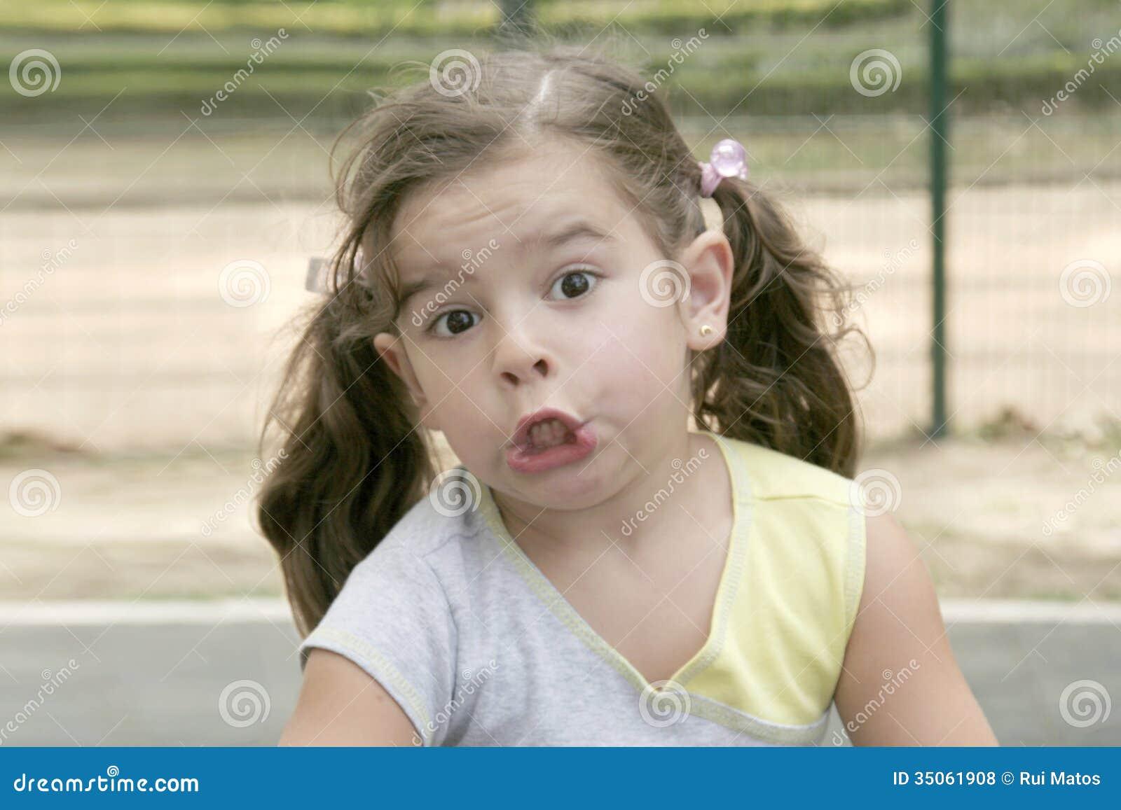 Χαριτωμένο μικρό κορίτσι