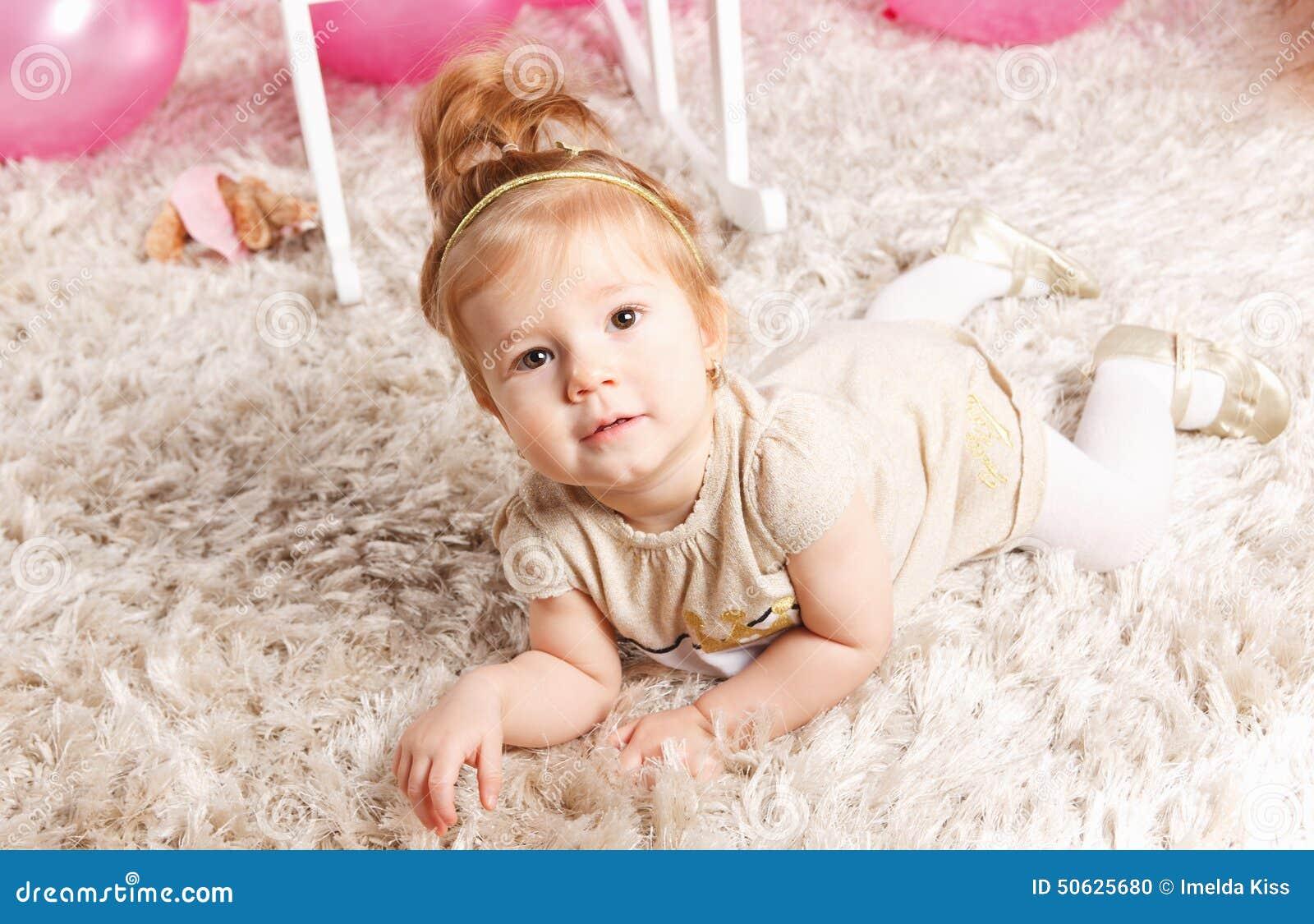 χαριτωμένο πορτρέτο κοριτ
