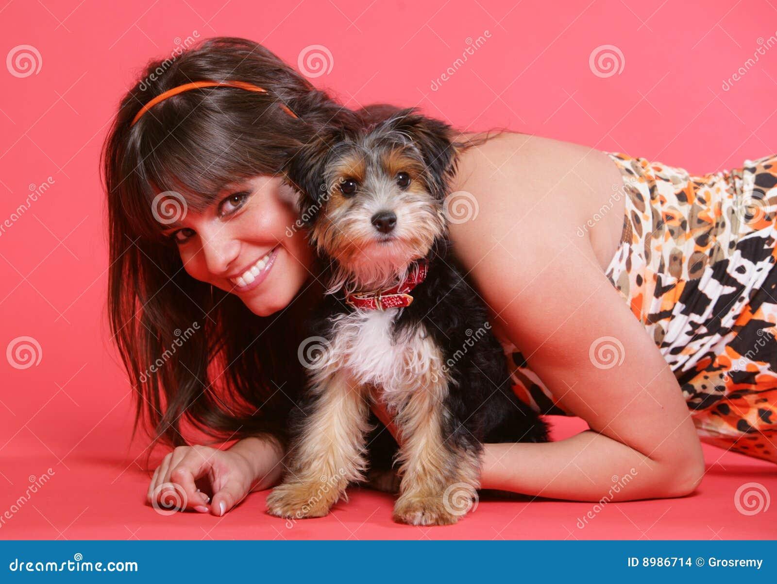 χαριτωμένο σκυλί