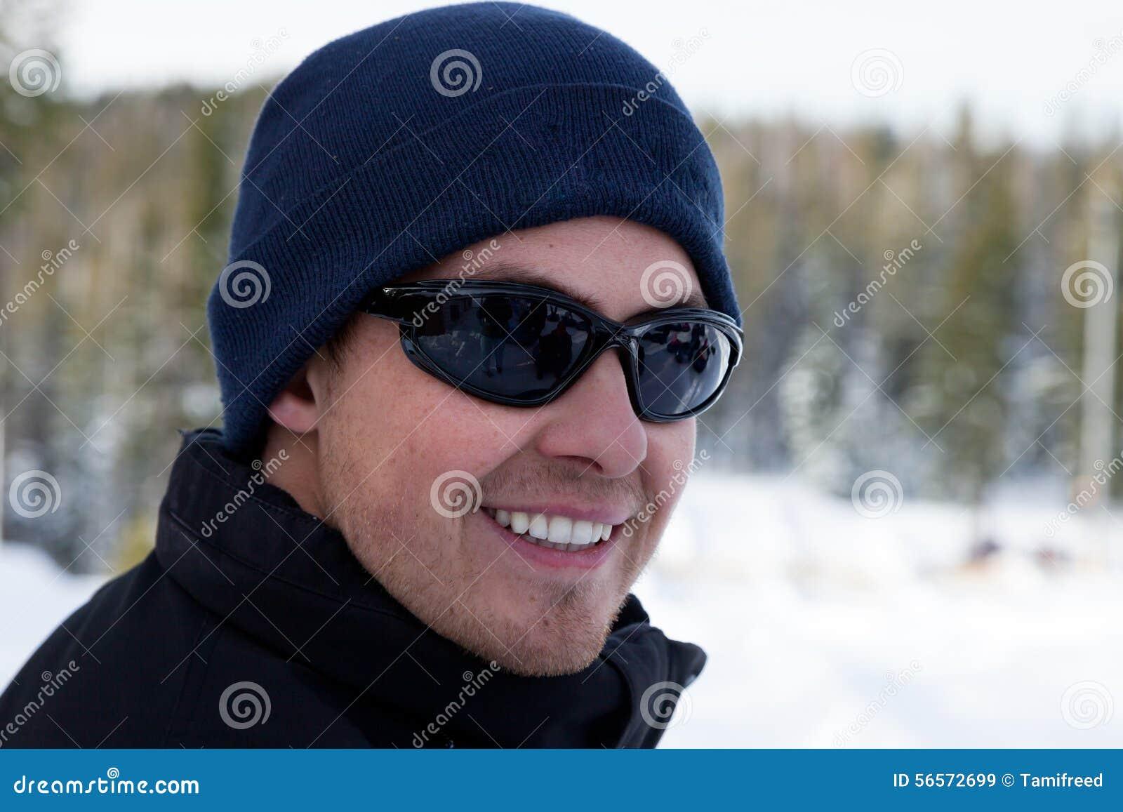 Download Χειμερινό χαμόγελο στοκ εικόνα. εικόνα από ημέρα, συγκίνηση - 56572699