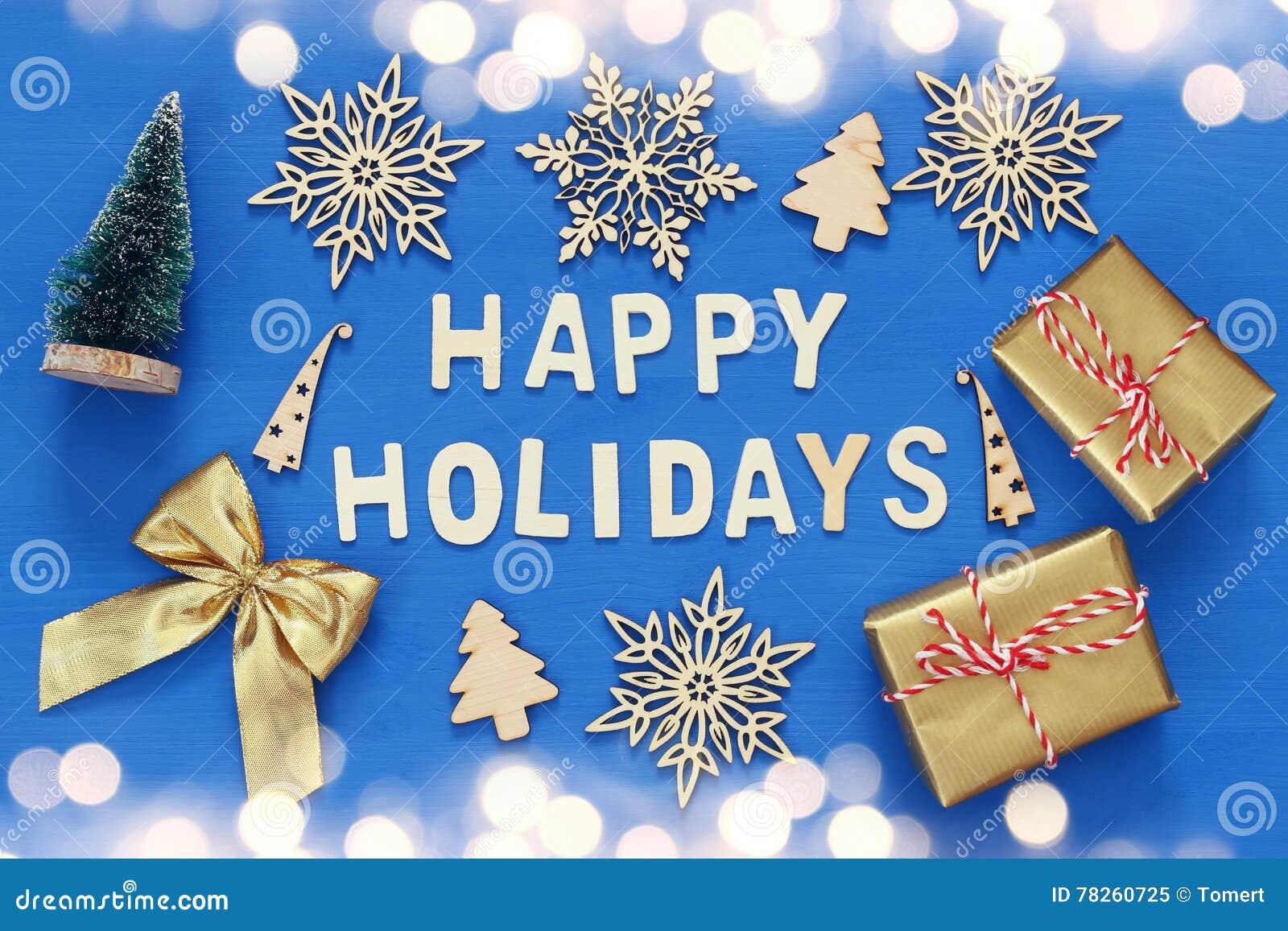 χειροποίητα κιβώτια δώρων, διακοσμητικά snowflakes, χριστουγεννιάτικο δέντρο