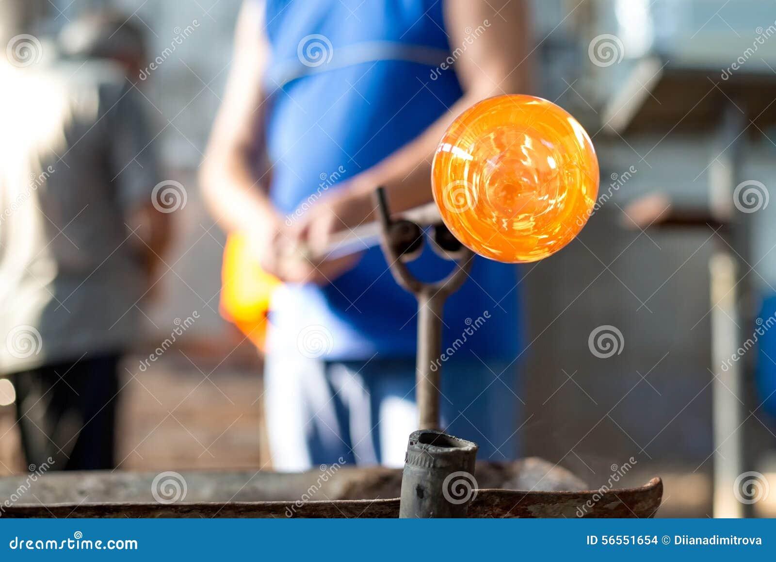 Download Χειροποίητοι αριθμοί του λειωμένου γυαλιού Στοκ Εικόνες - εικόνα από καλλιτεχνών, φλόγα: 56551654