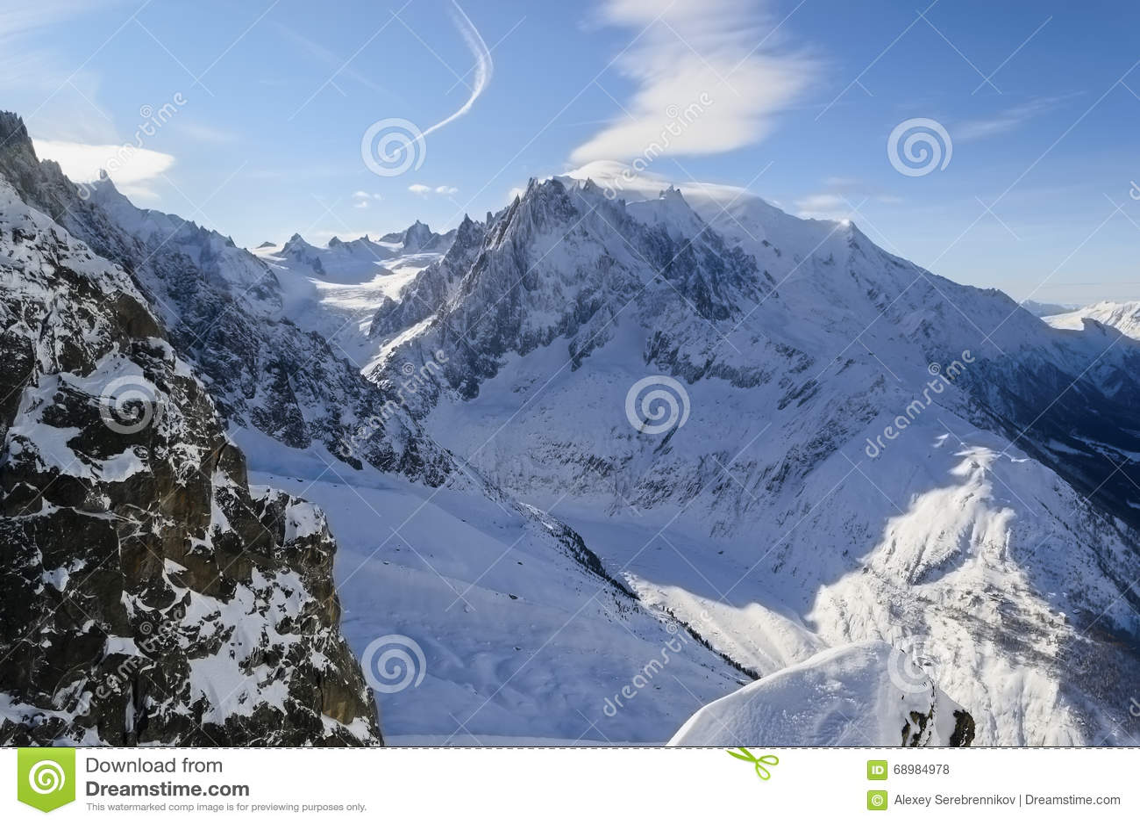 Χιονισμένες αλπικές κλίσεις Λα vallée blanche