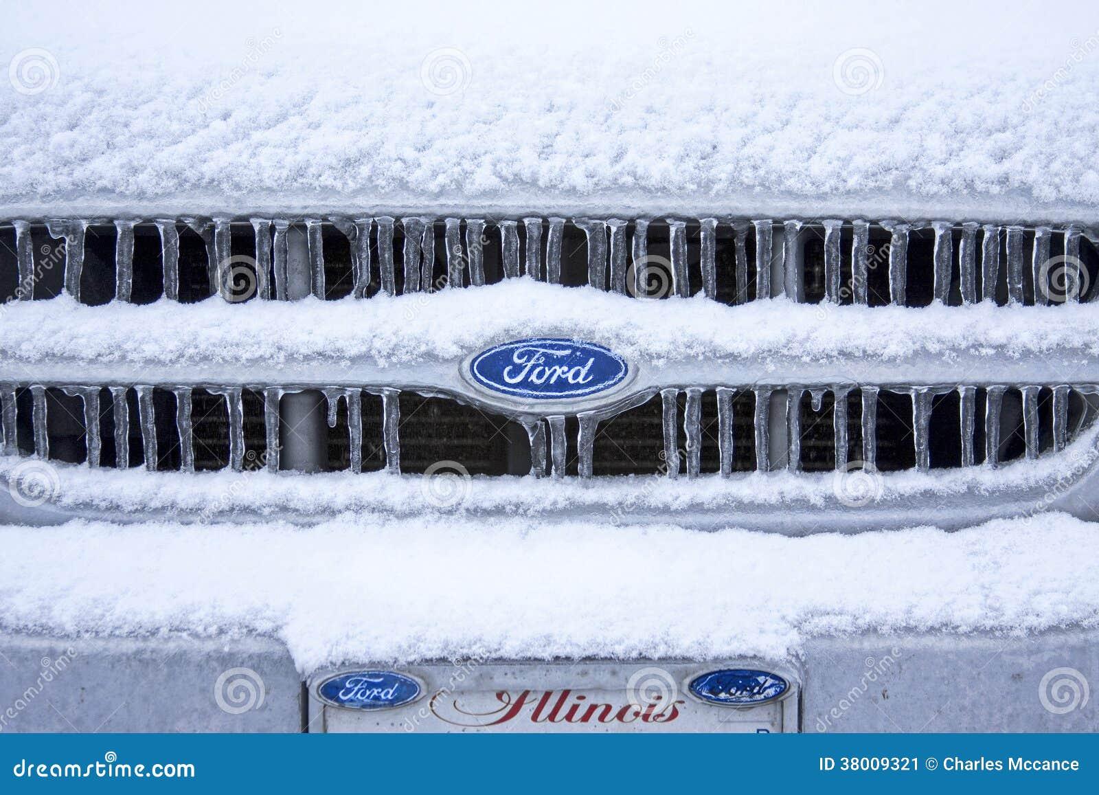 Χιονώδης παγωμένη σχάρα δασοφυλάκων της Ford