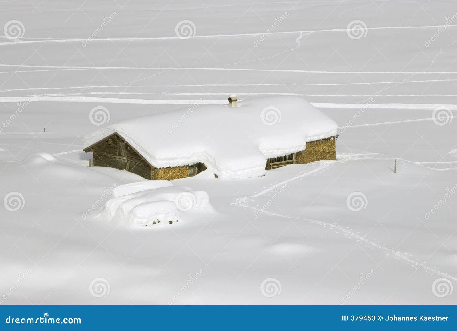 χιόνι βουνών καλυβών