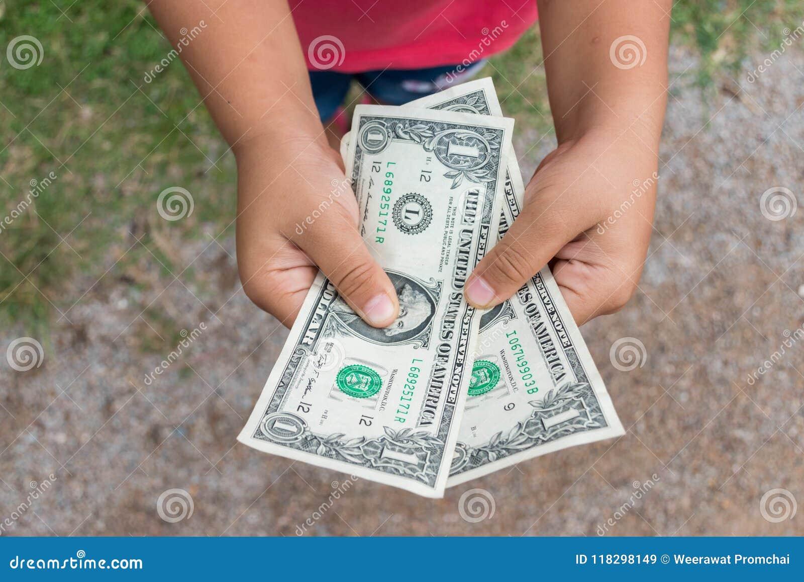 Χρήματα δολαρίων εκμετάλλευσης παιδιών