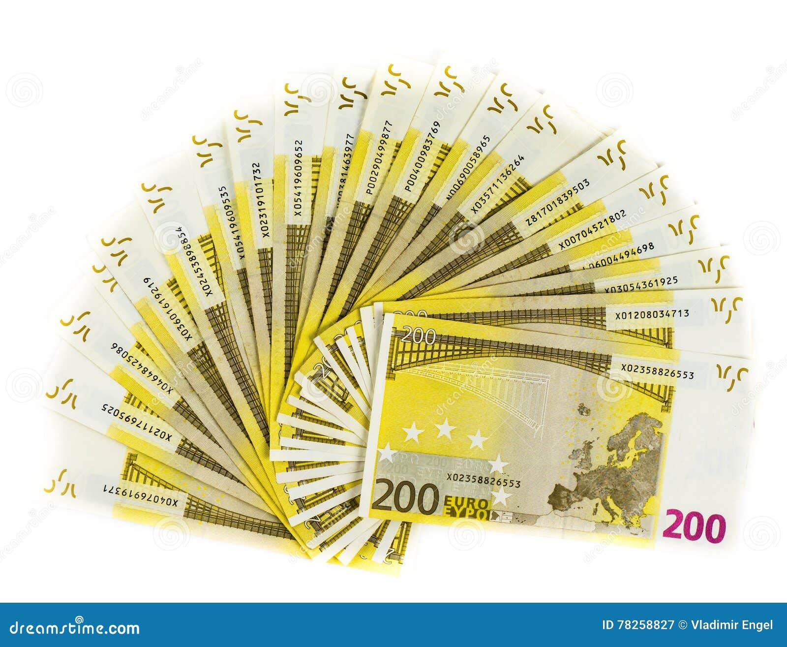 Χρήματα 200 ευρο- τραπεζογραμμάτιο που απομονώνεται στο άσπρο υπόβαθρο