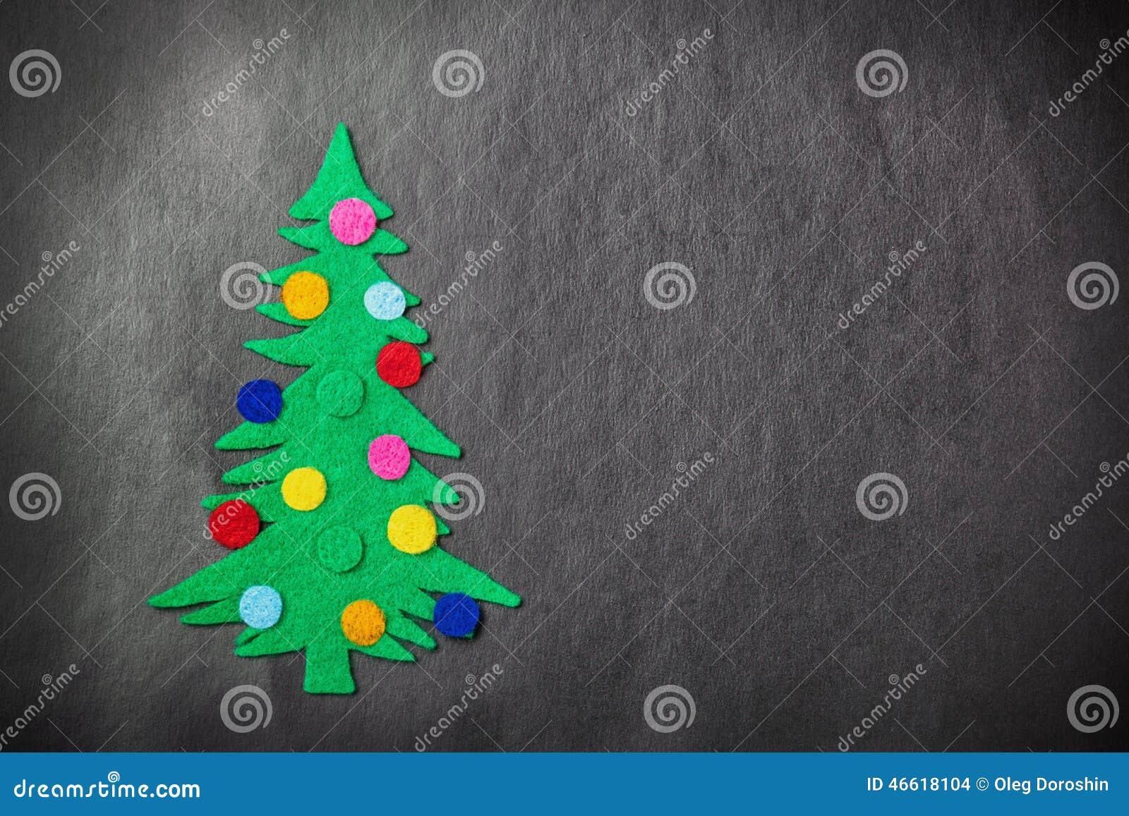 Χριστουγεννιάτικο δέντρο με τα παιχνίδια που γίνονται †‹â€ ‹αισθητός