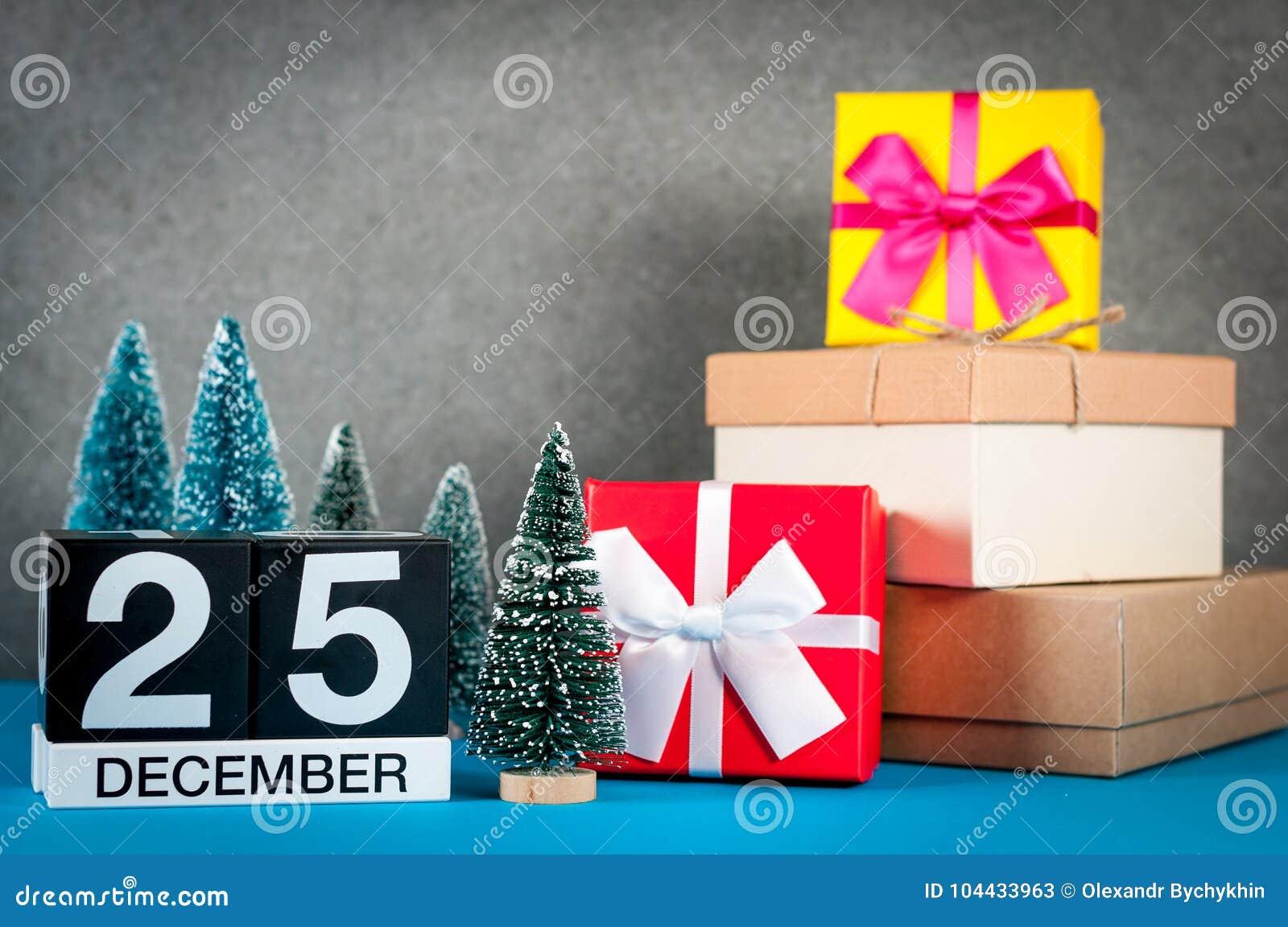 Dating για 2 μήνες Χριστουγεννιάτικα δώρα Χρονολόγηση Συμβουλές προφίλ γραφή