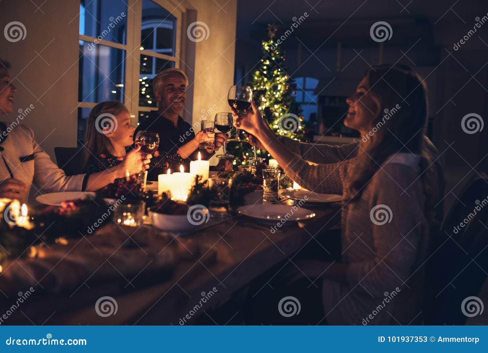 Χριστούγεννα οικογενειακού εορτασμού από κοινού