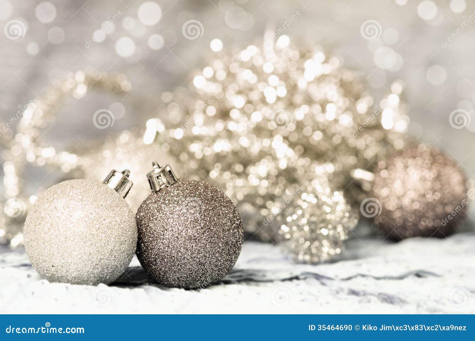 Χρυσός και ασήμι διακοσμήσεων Χριστουγέννων