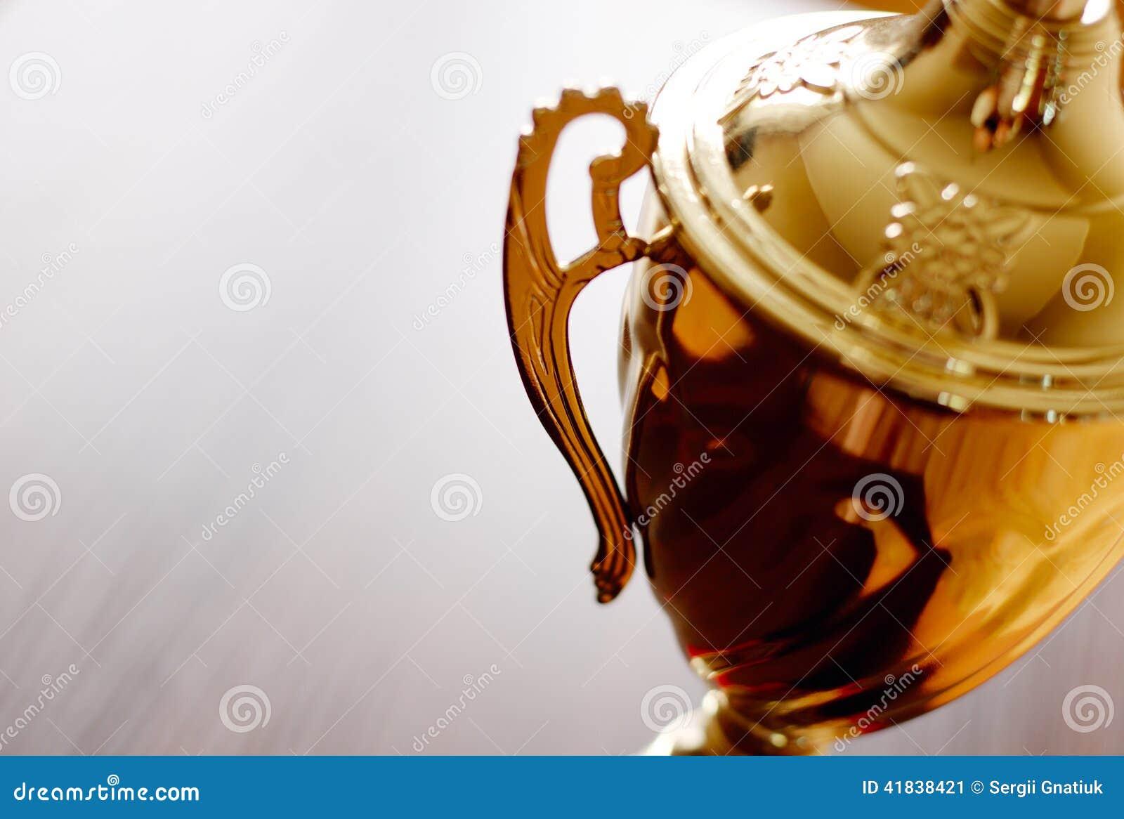 Χρυσός στενός επάνω βραβείων τροπαίων