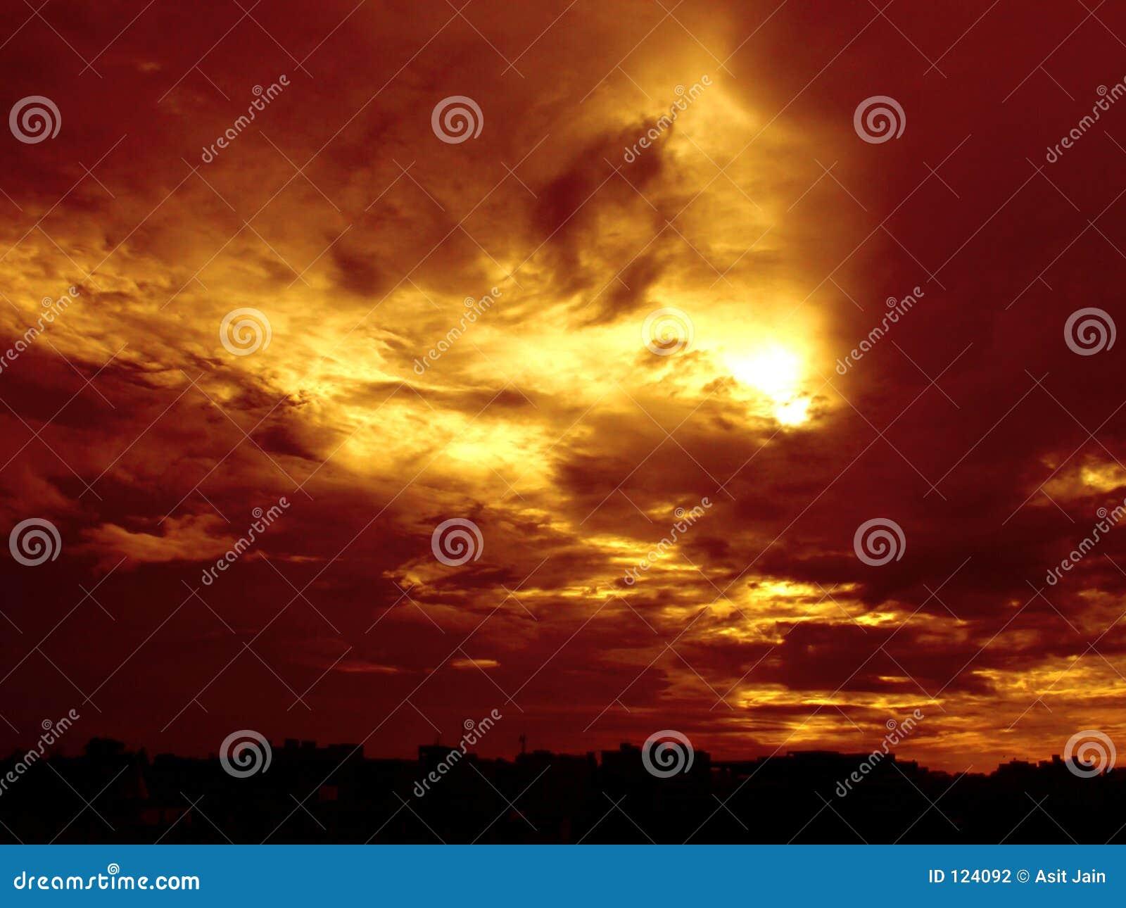χρυσό ηλιοβασίλεμα