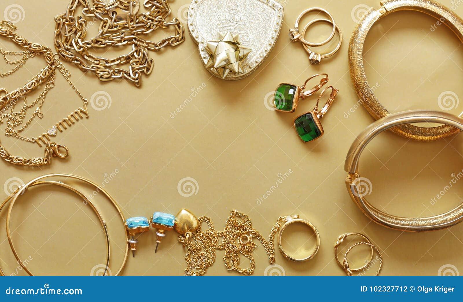 008d6b29b8 Χρυσό κόσμημα - κρεμαστά κοσμήματα