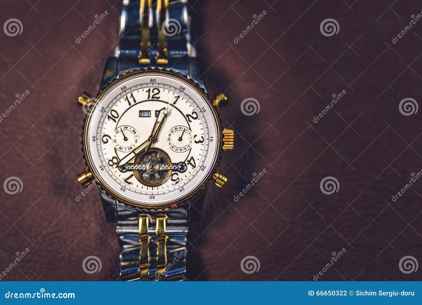 χρυσό ρολόι