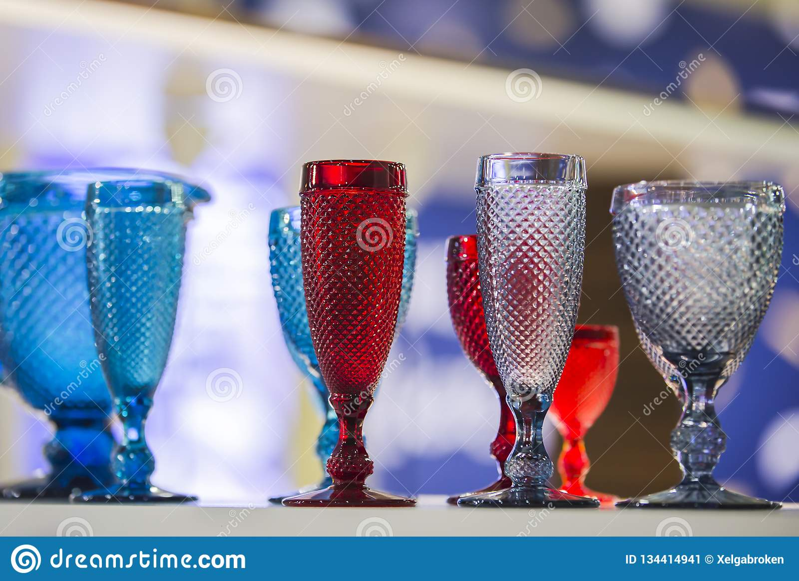 Χρωματισμένα εκλεκτής ποιότητας Goblets