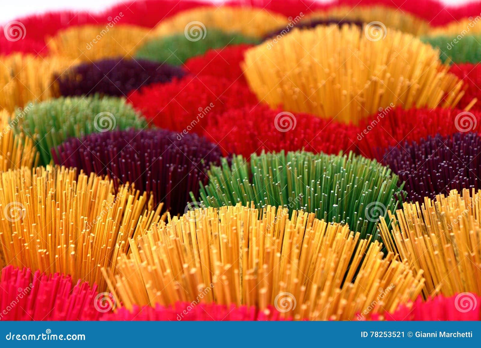 χρωματισμένα ραβδιά θυμιάμ&al