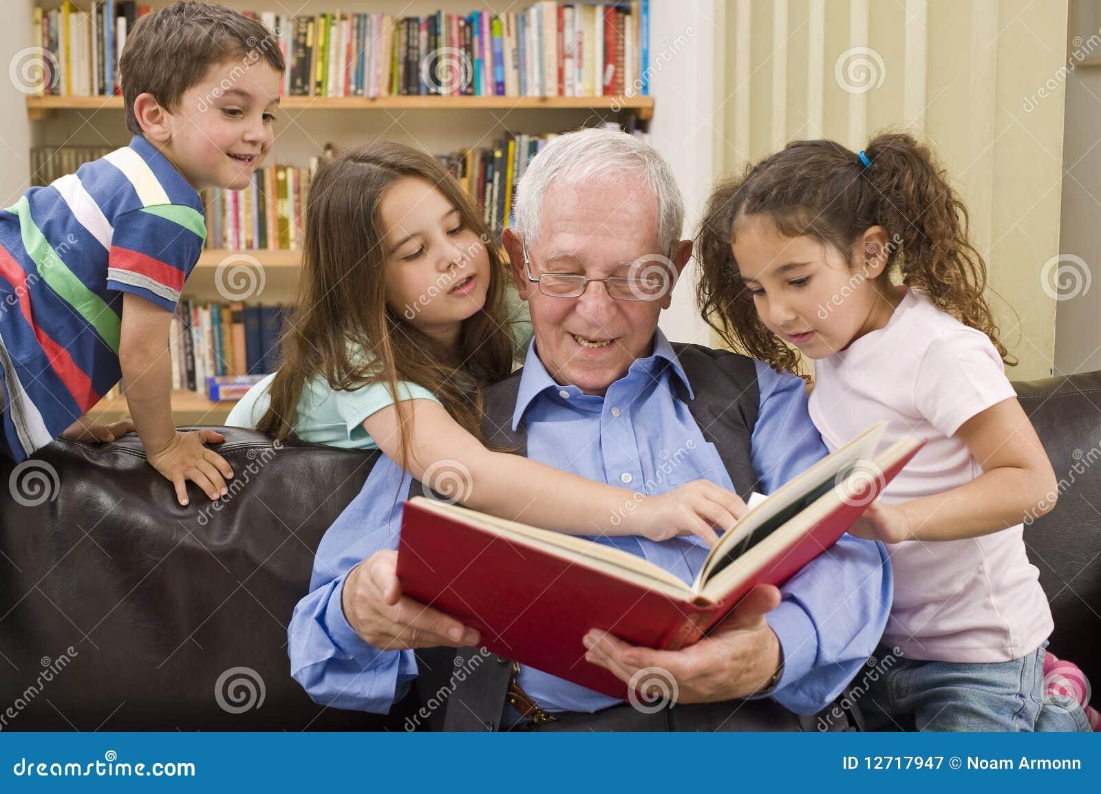 χρόνος ιστορίας grandpa