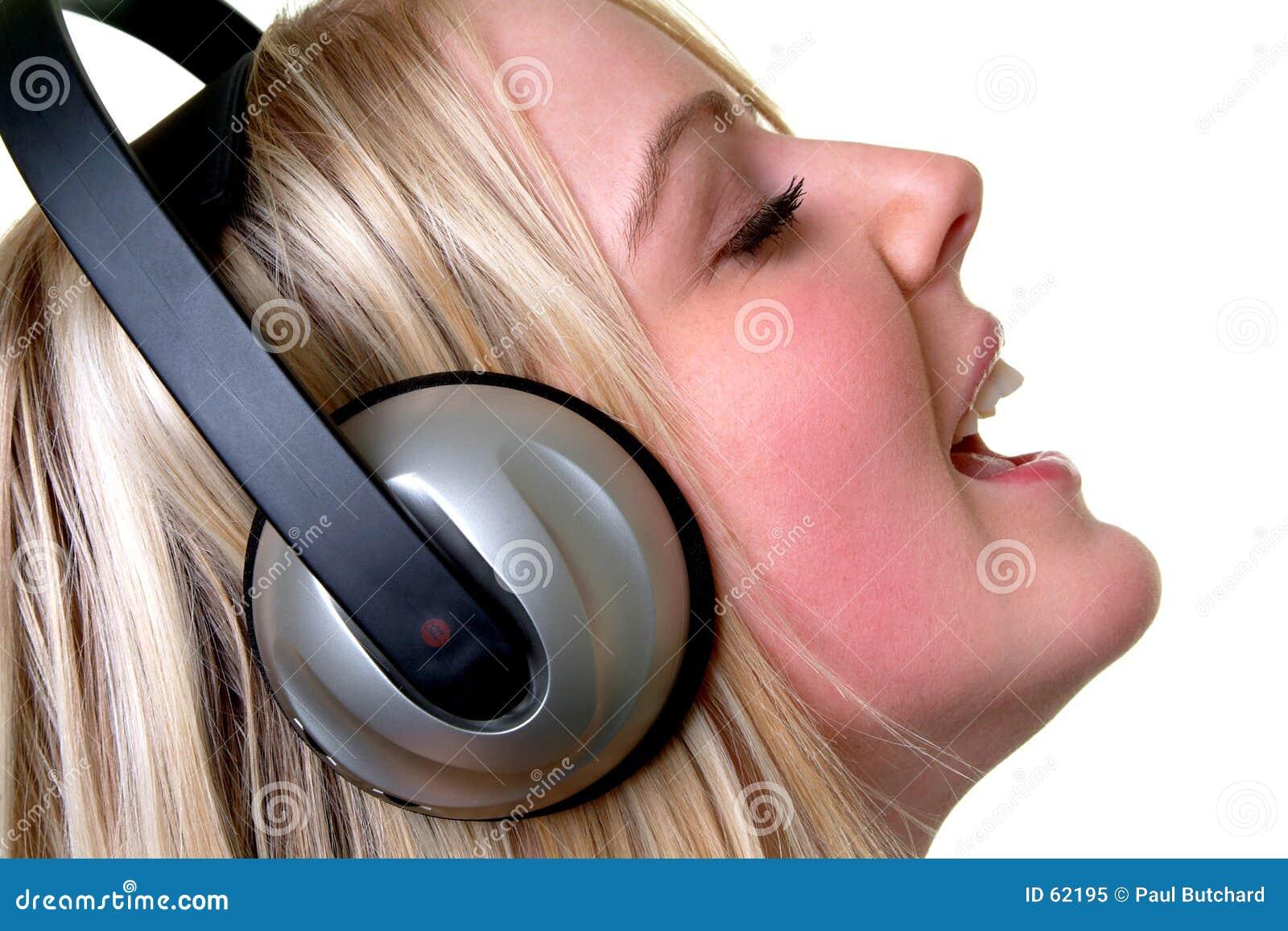 Download χρόνος μουσικής στοκ εικόνα. εικόνα από μάτια, πρόσωπο, popcorn - 62195