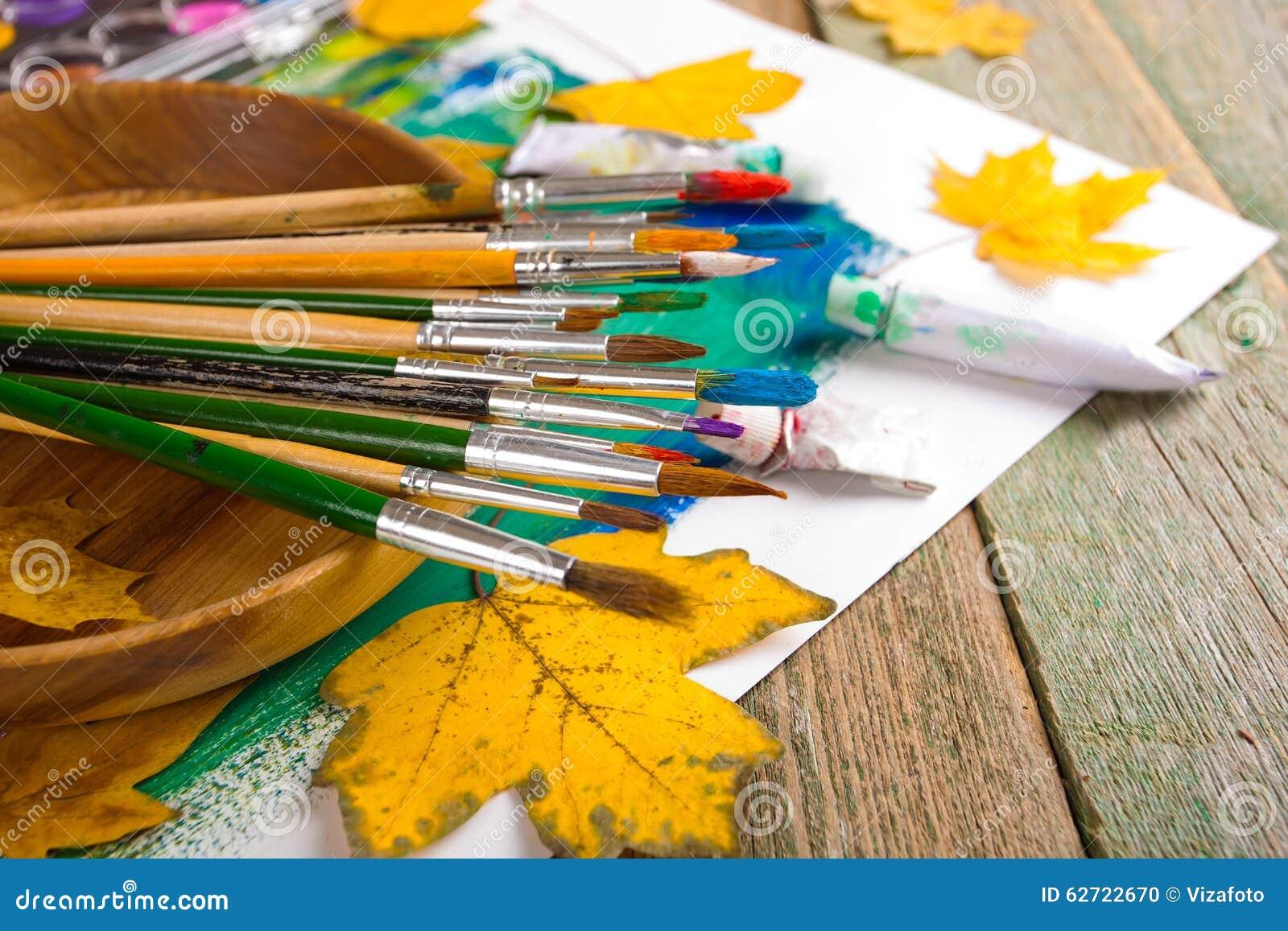 Χρώματα και βούρτσες