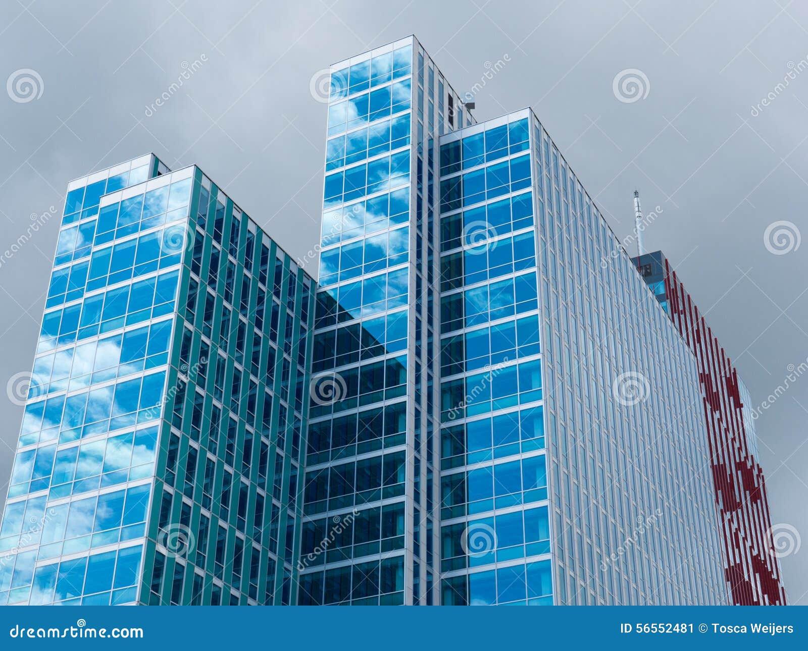 Download χτίζοντας υψηλή άνοδος στοκ εικόνα. εικόνα από κατασκευή - 56552481