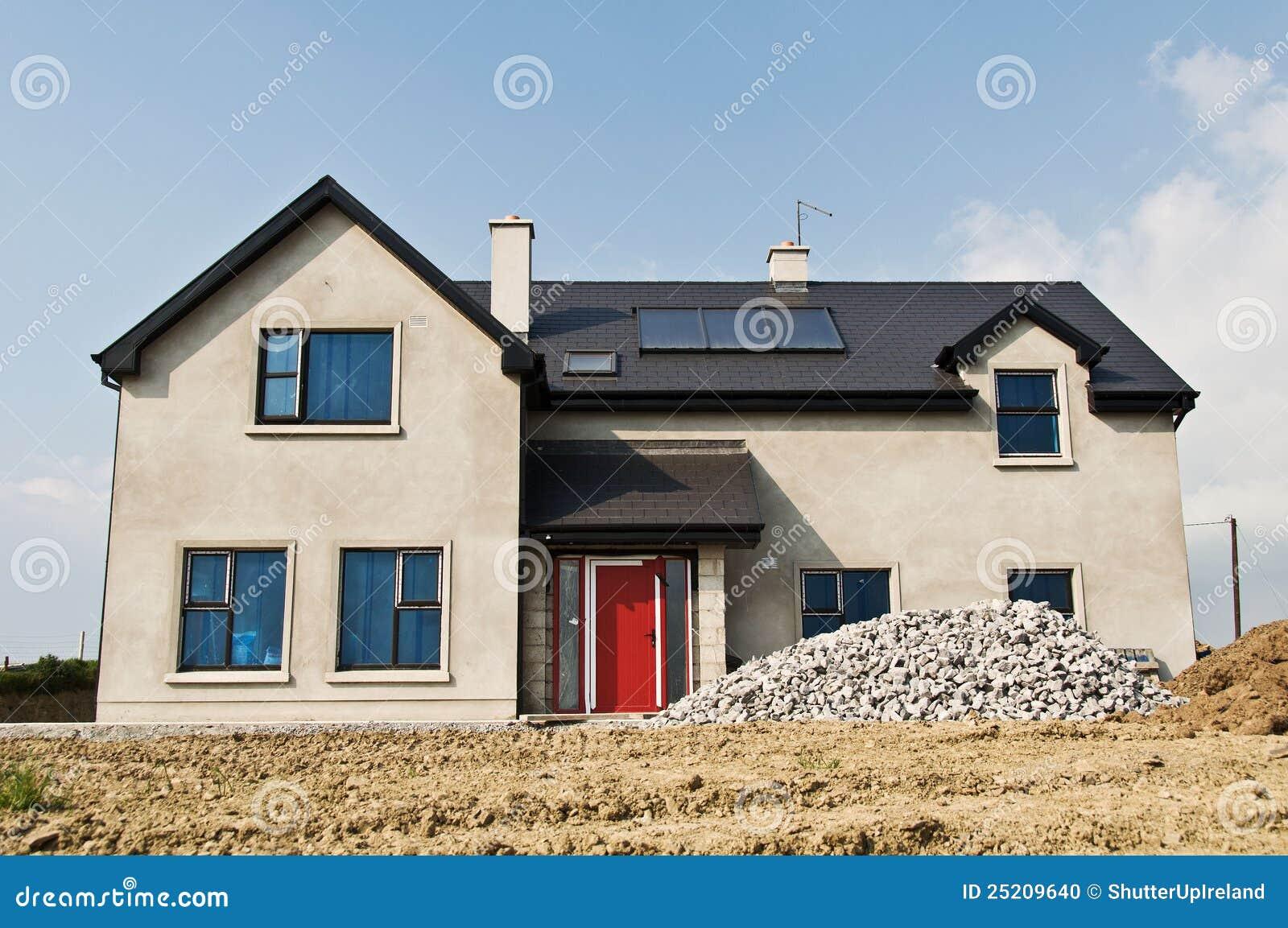 χτίστε το συγκεκριμένο σπίτι νέο