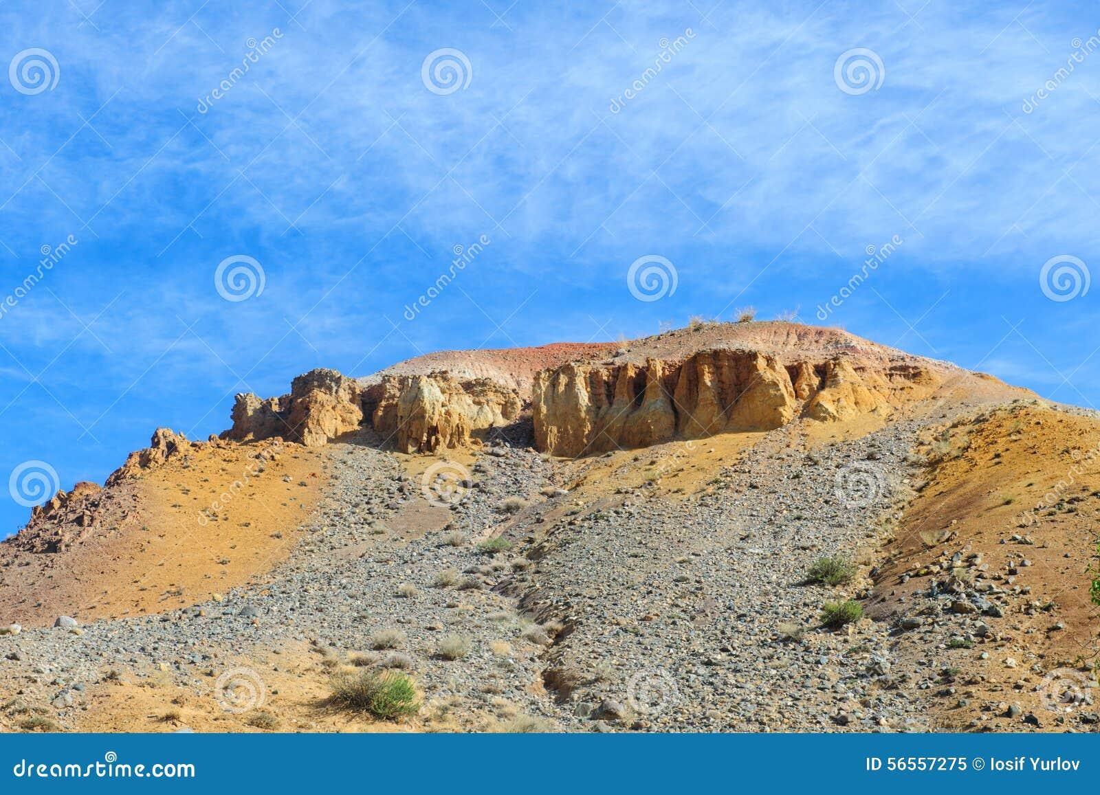 Download Χώμα χρώματος των καταθέσεων υδραργύρου σε Altai Στοκ Εικόνα - εικόνα από χώρα, cinnabar: 56557275