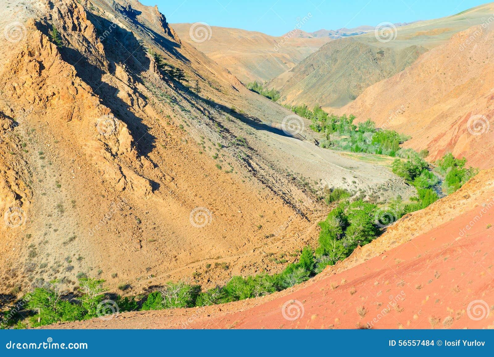 Download Χώμα χρώματος των καταθέσεων υδραργύρου σε Altai Στοκ Εικόνες - εικόνα από χώρα, φύση: 56557484