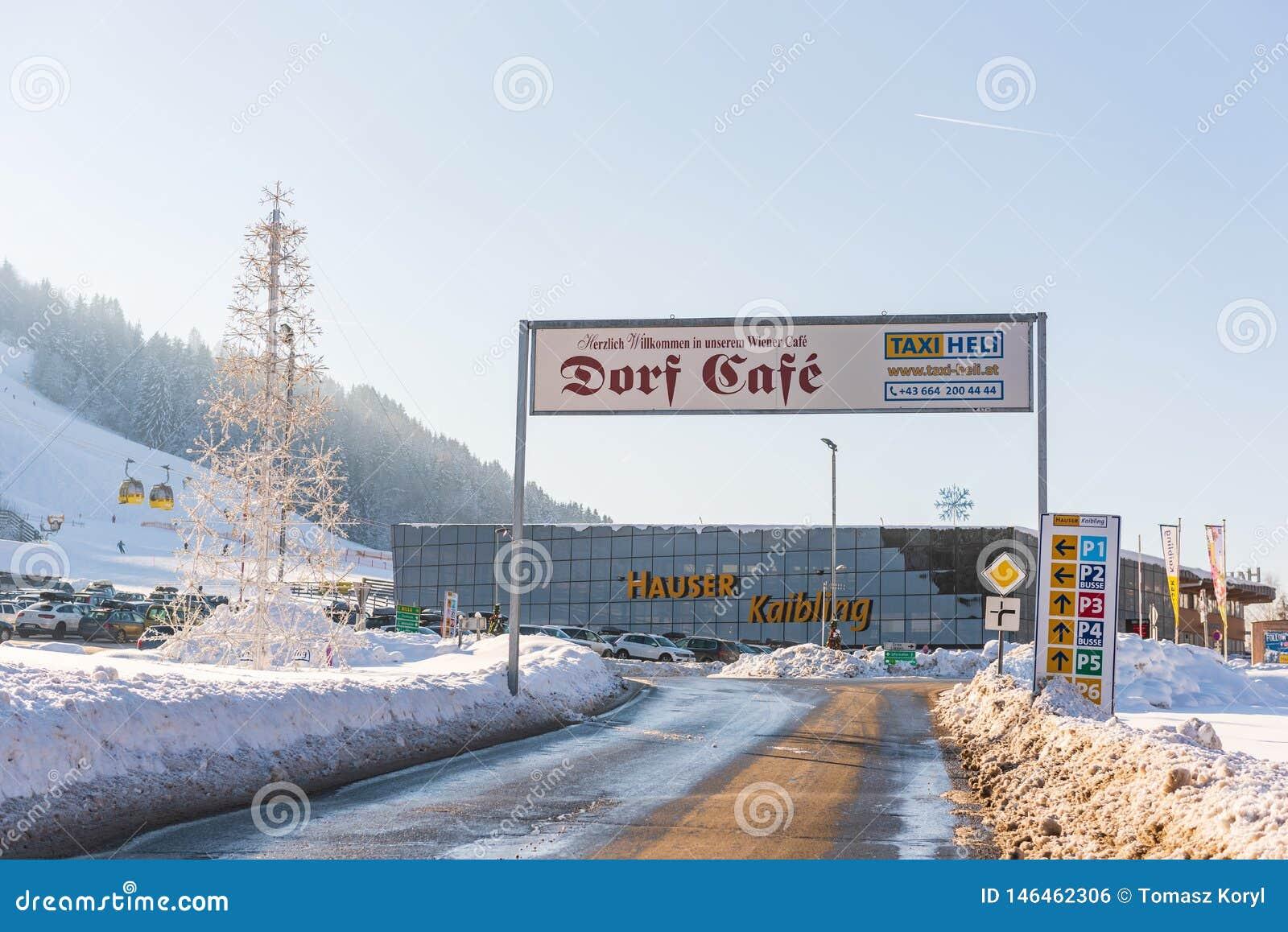 Χώρος στάθμευσης αυτοκινήτων σε Hauser Kaibling Τοπ χιονοδρομικά κέντρα της Αυστρίας