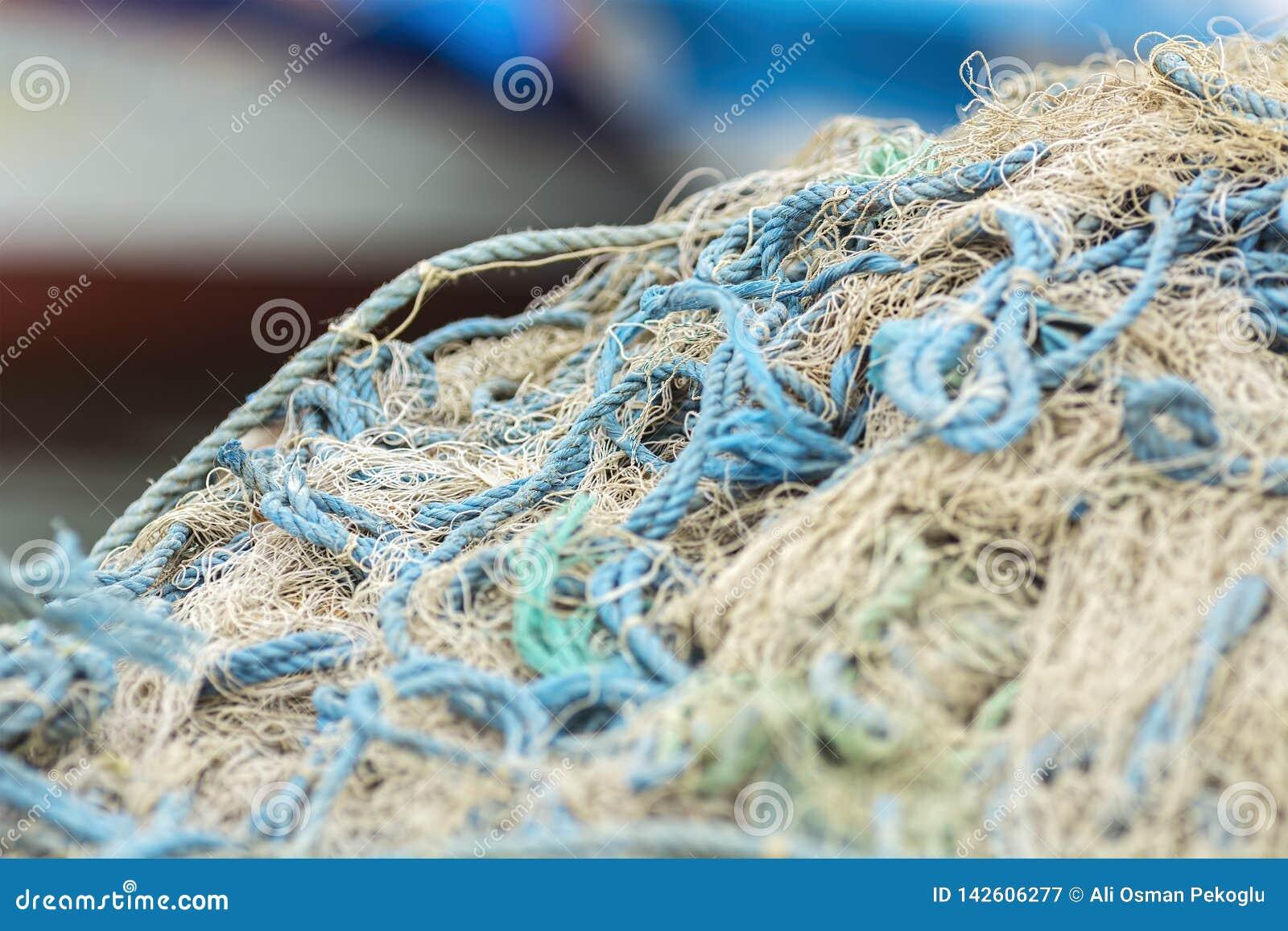 Ψάρια στην καθαρή, σύσταση διχτυού του ψαρέματος