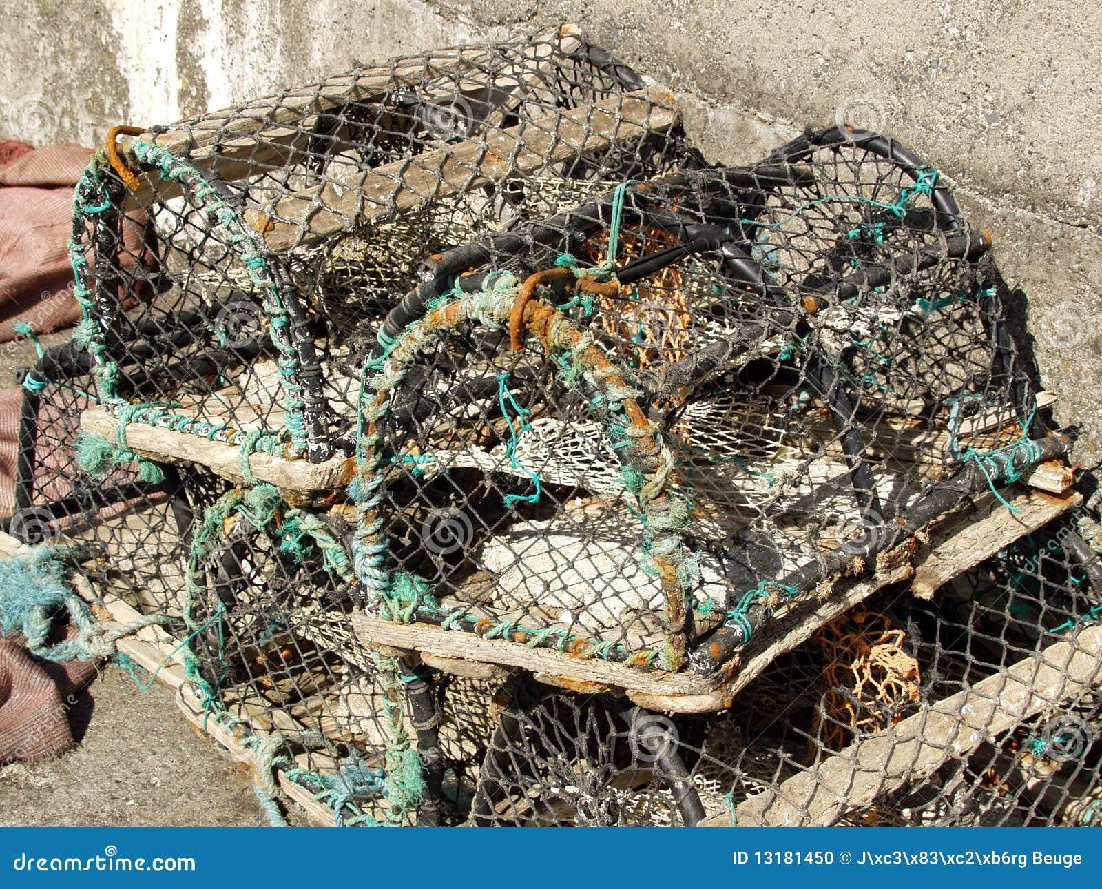 Ψαροκόφινο αστακών και κάποιο σχοινί