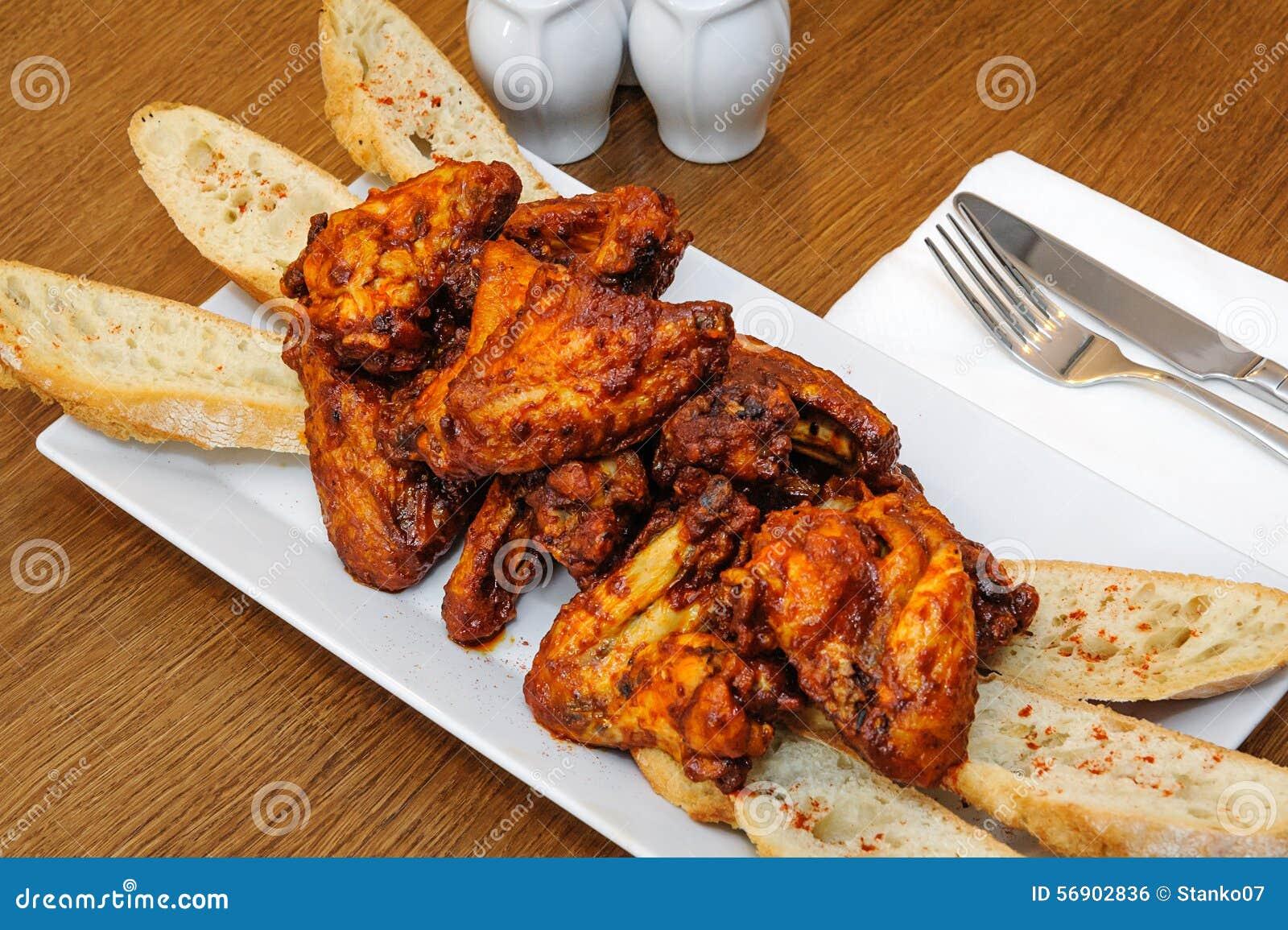 ψημένα κοτόπουλο φτερά