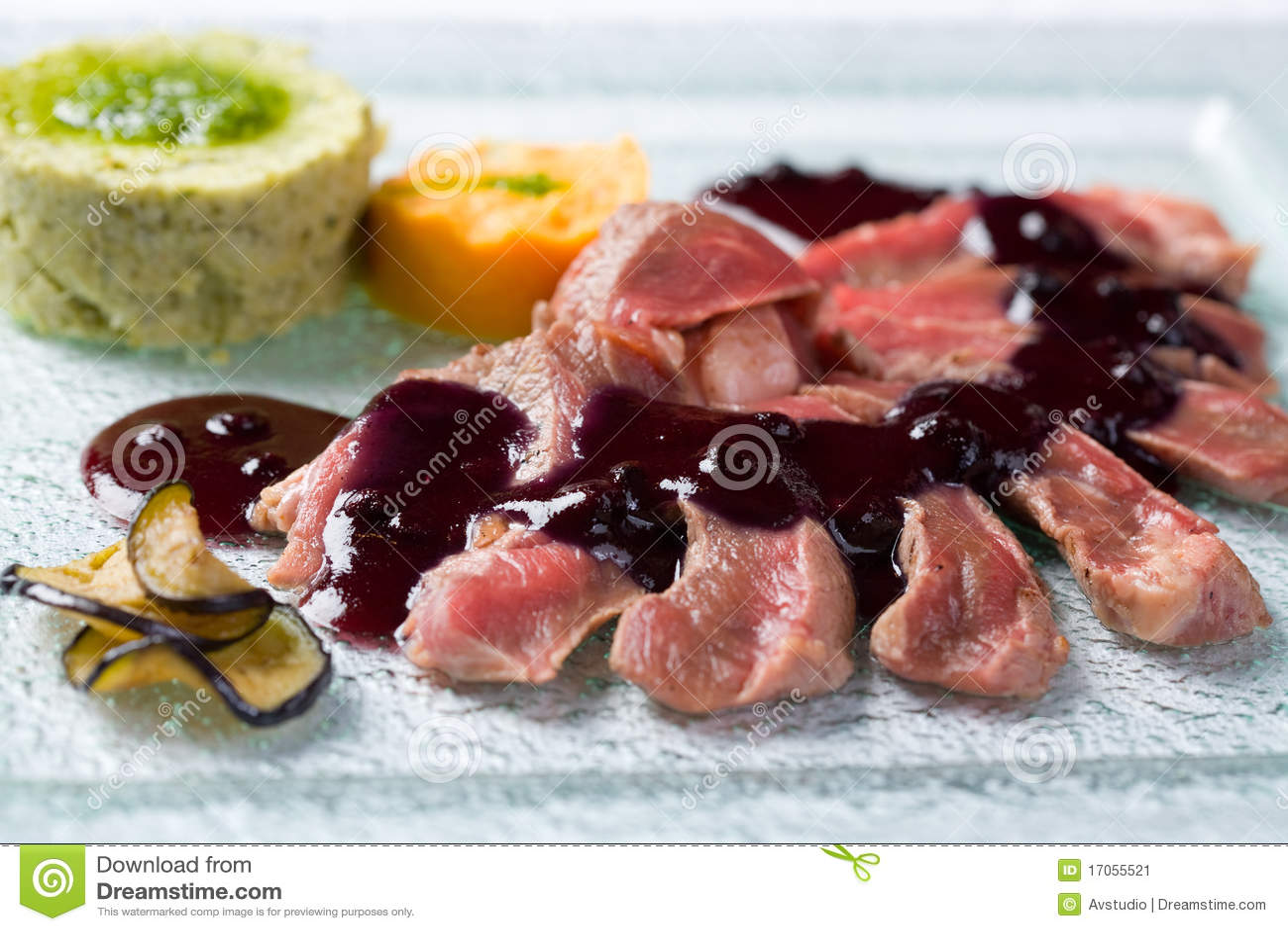 ψημένη σάλτσα μαύρων σταφίδω&