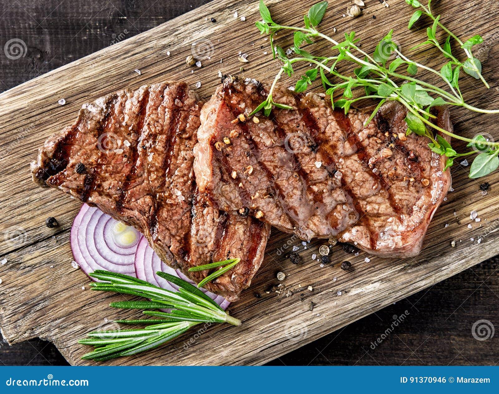 ψημένη στη σχάρα βόειο κρέας