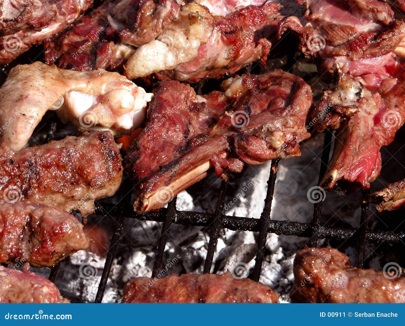 ψημένο στη σχάρα κρέας