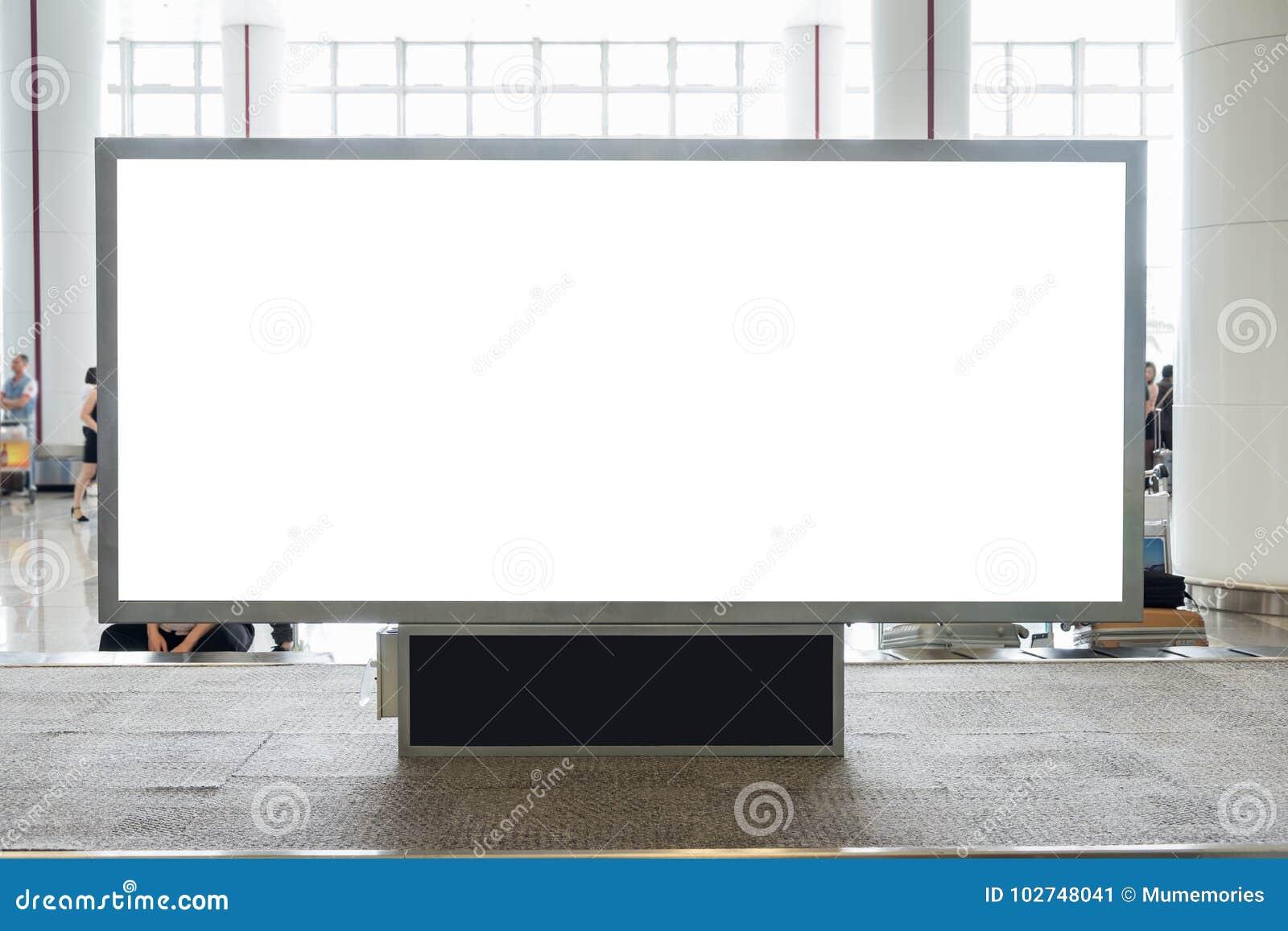 Ψηφιακός κενός πίνακας διαφημίσεων με το διάστημα αντιγράφων για τη διαφήμιση, δημόσια