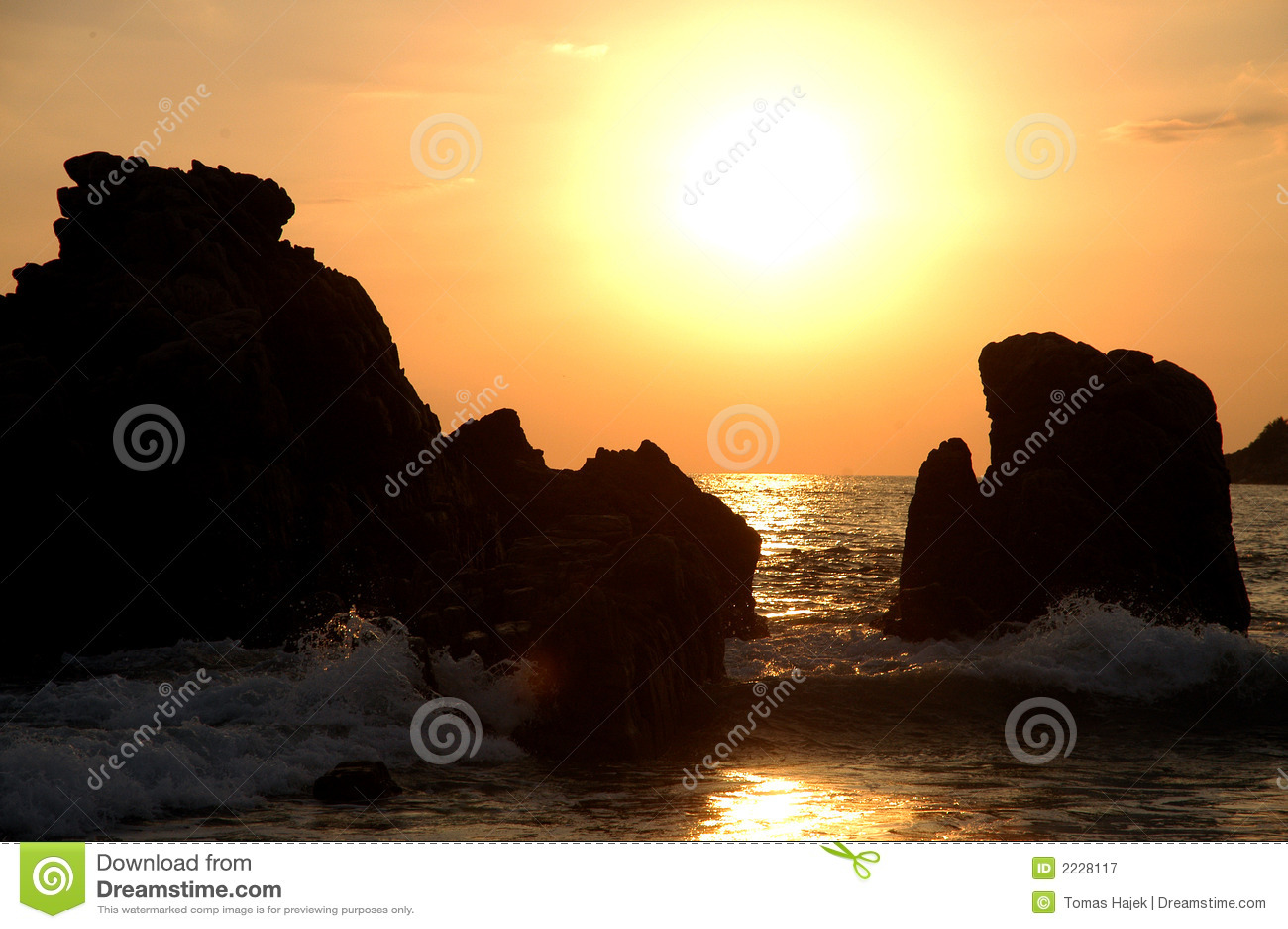 Download ωκεάνιοι βράχοι δύο του Μ& στοκ εικόνα. εικόνα από ειρηνικός - 2228117