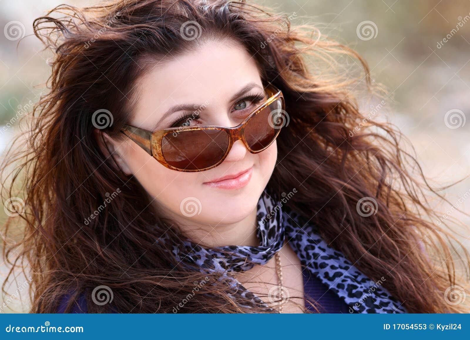 όμορφα γυναικεία γυαλιά &