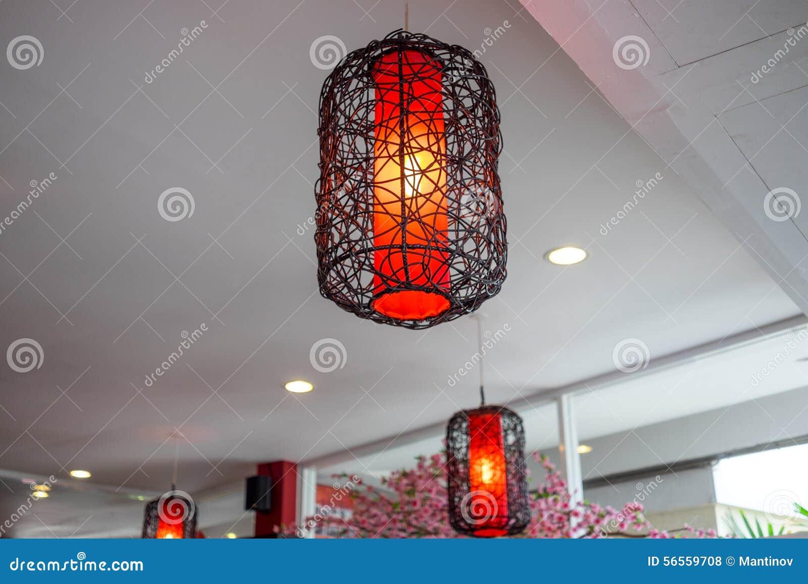 Download Όμορφα κινεζικά κρεμώντας φανάρια ύφους Στοκ Εικόνες - εικόνα από πολυτέλεια, ceiling: 56559708