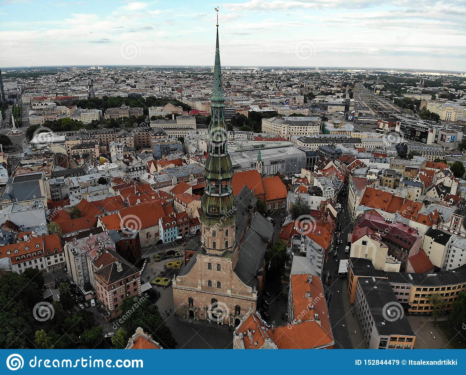 Όμορφη άποψη άνωθεν Παλαιό μέρος της πόλης Ρήγα Πρωτεύουσα της Λετονίας, Ευρώπη Φωτογραφία κηφήνων Δημιουργημένος από DJI Mavic