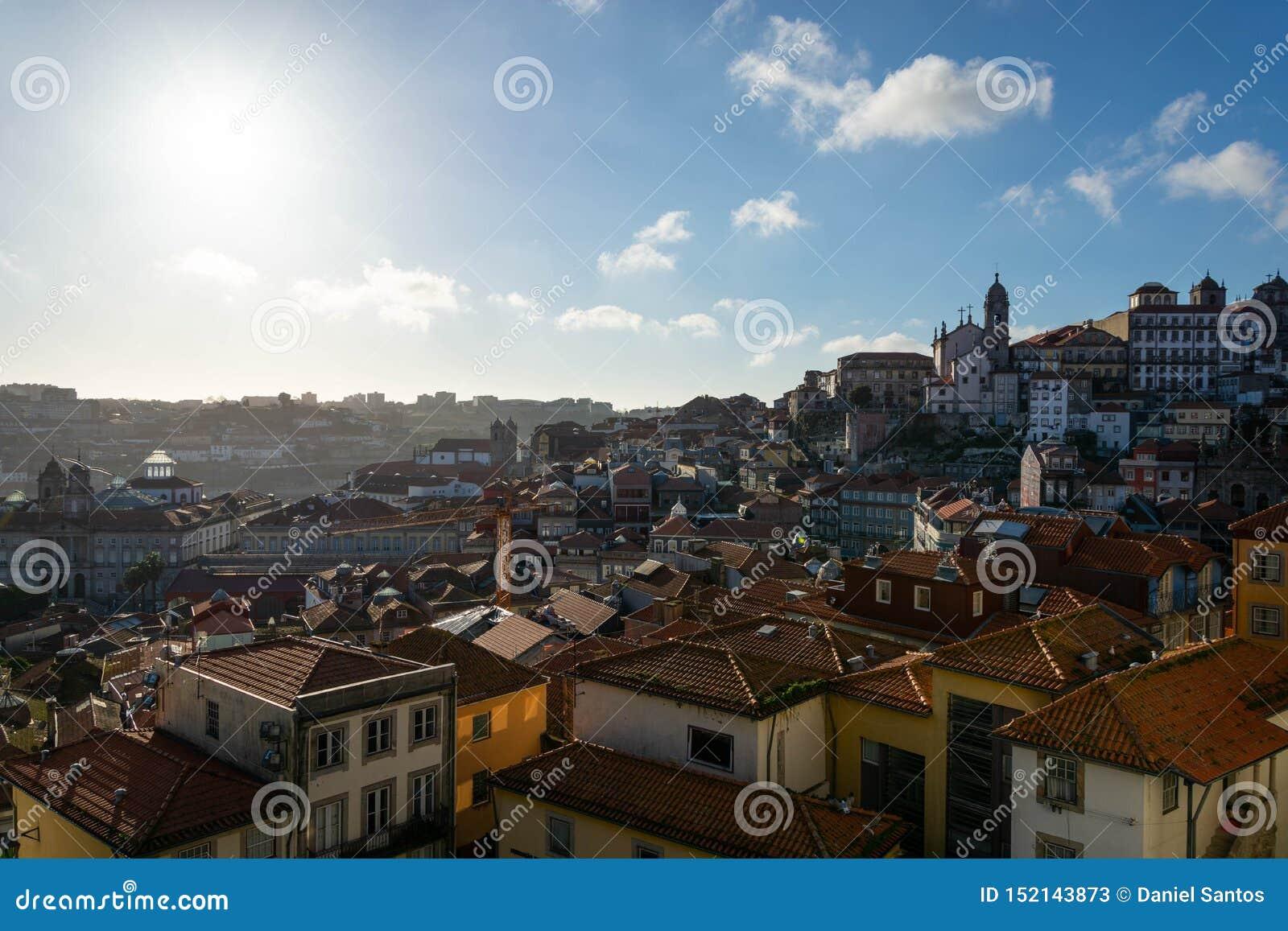 Όμορφη άποψη σε μέρος της πόλης του Πόρτο