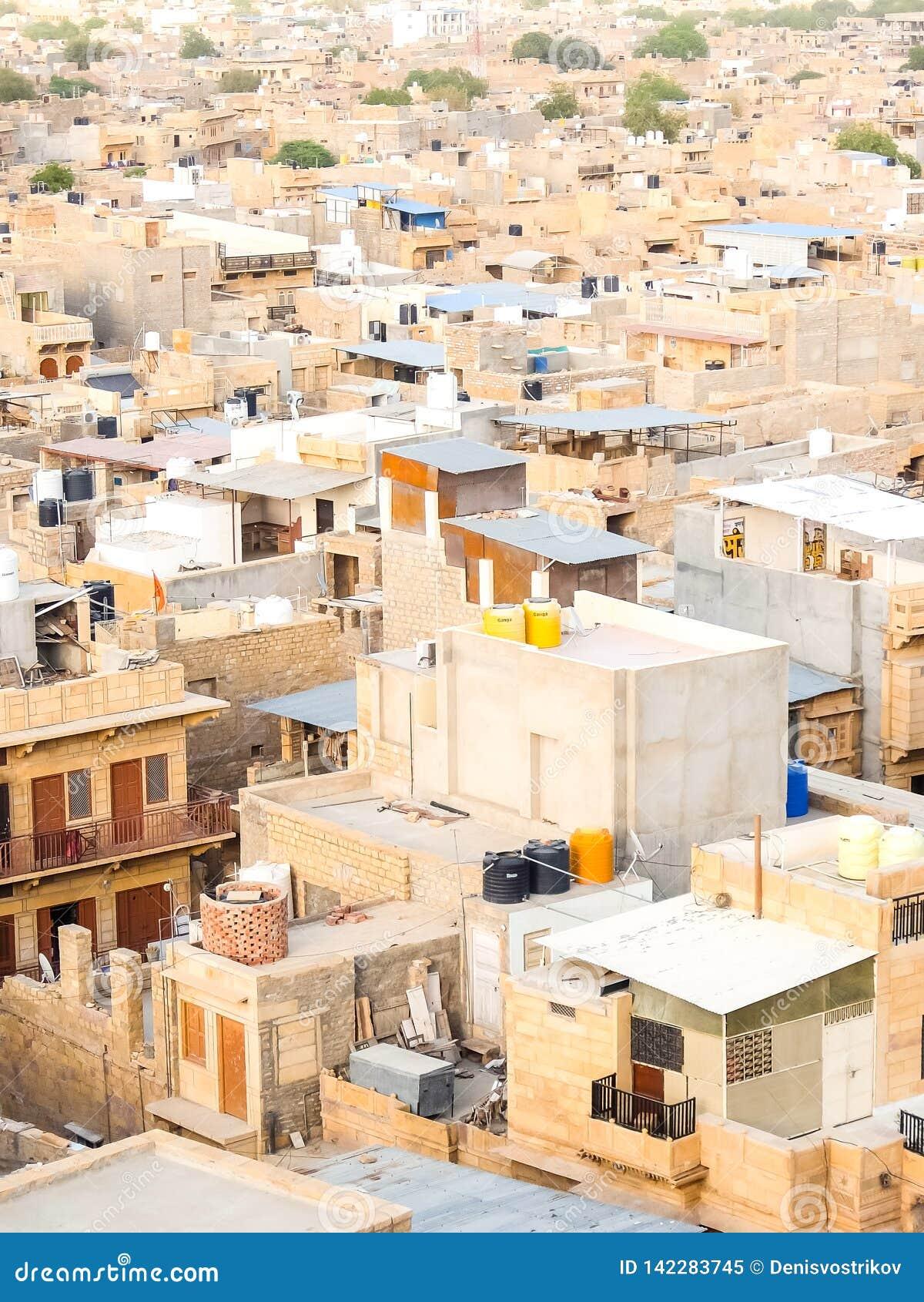 Όμορφη άποψη της εικονικής παράστασης πόλης Jaisalmer