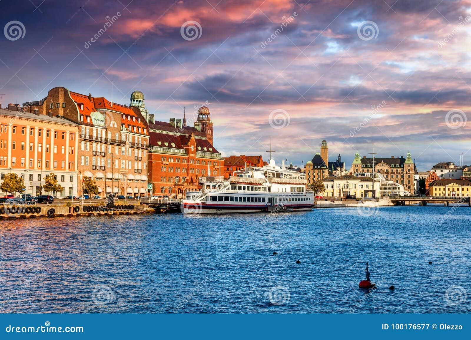 Όμορφη εικονική παράσταση πόλης, Μάλμοε Σουηδία, κανάλι