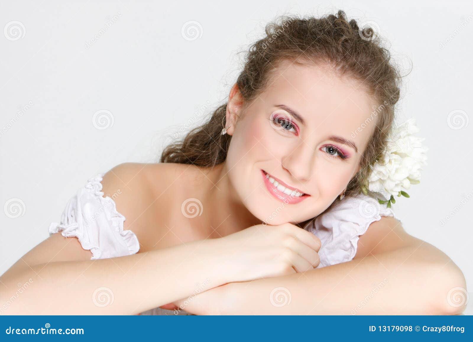 όμορφη ευτυχής γυναίκα π&omicr