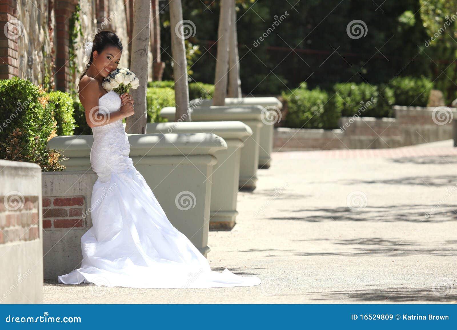 όμορφη ημέρα νυφών οι γαμήλι&eps